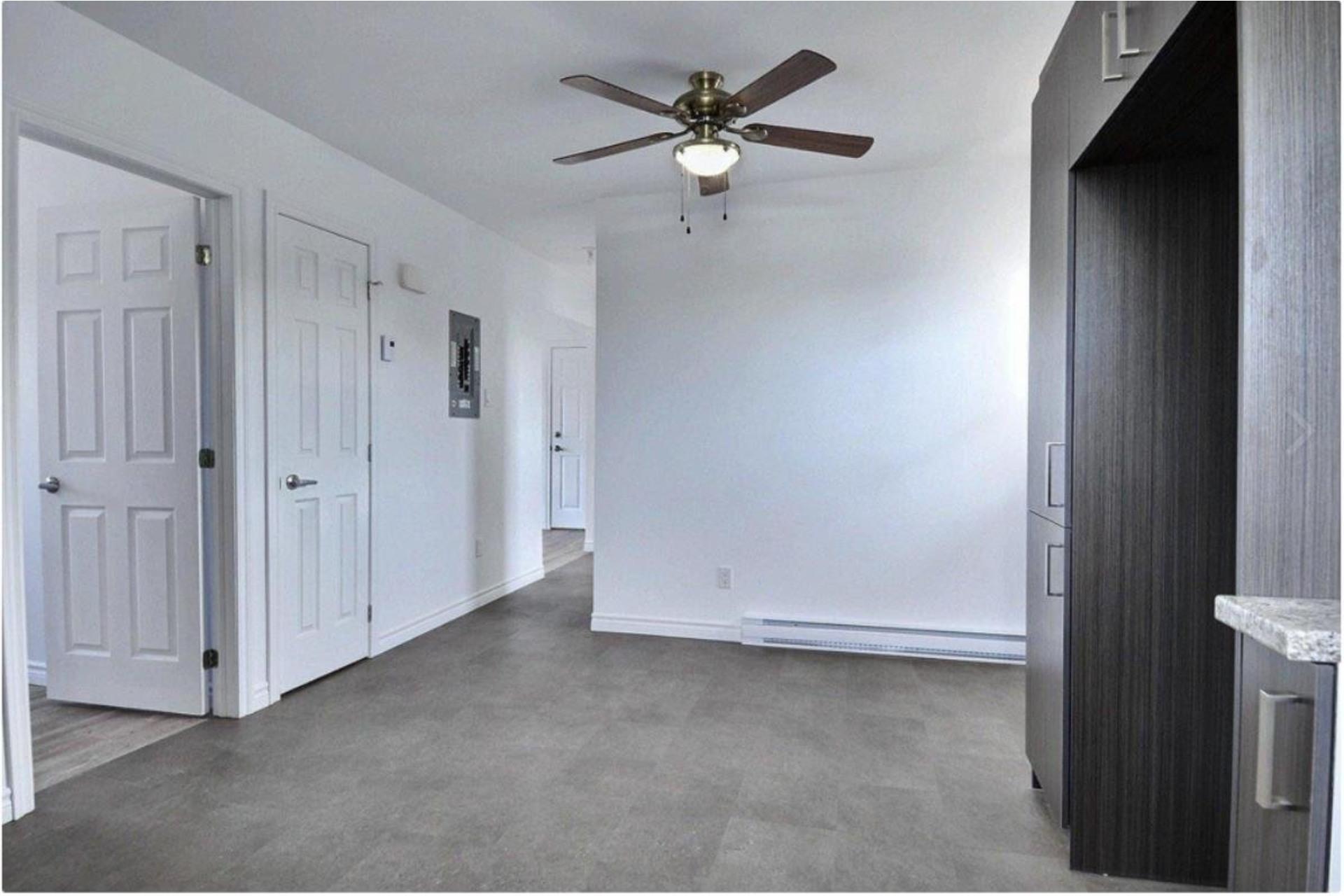 image 4 - Appartement À louer Sorel-Tracy - 5 pièces