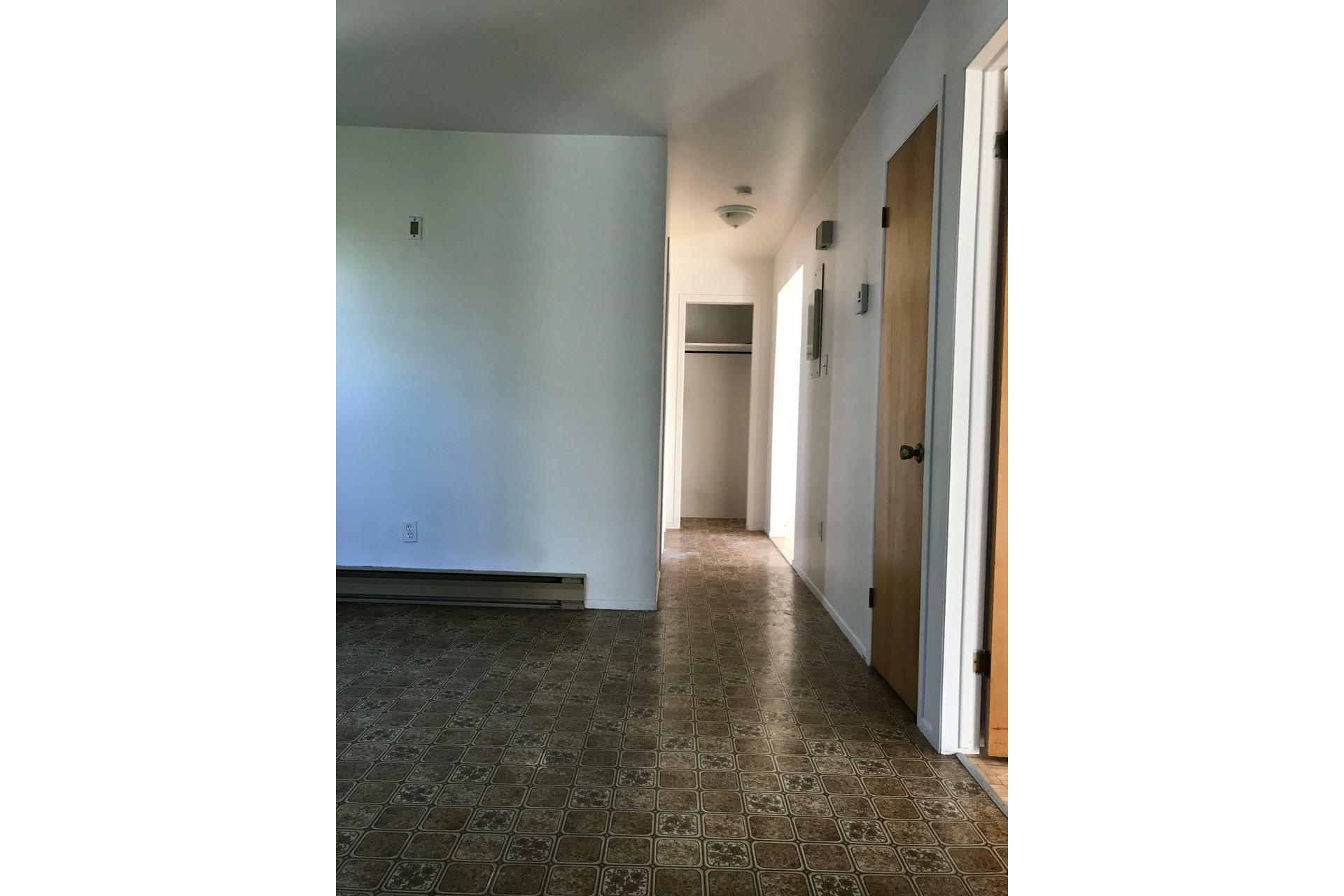 image 2 - Appartement À louer Sorel-Tracy - 5 pièces