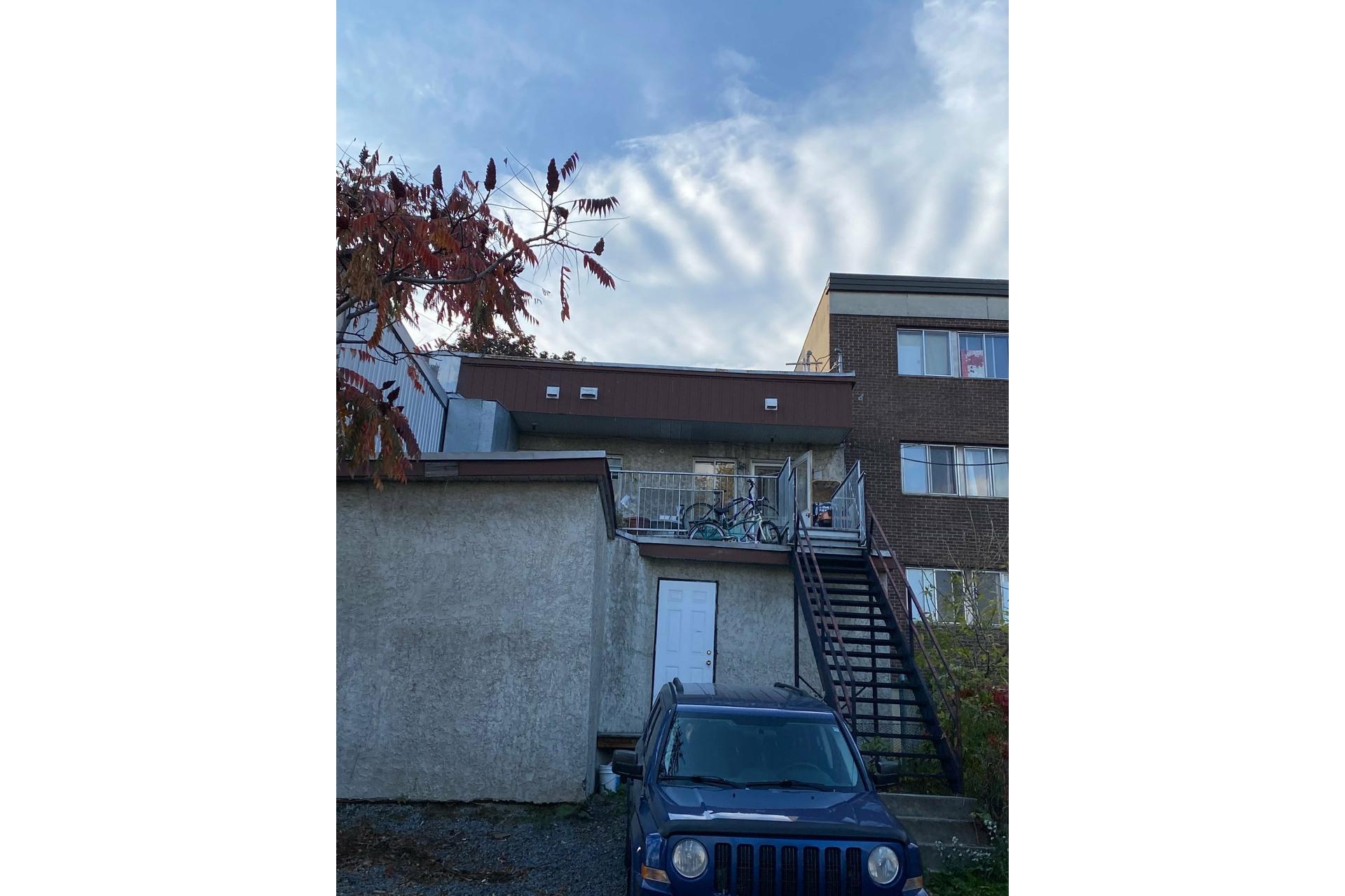 image 3 - Triplex For sale Mercier/Hochelaga-Maisonneuve Montréal  - 3 rooms