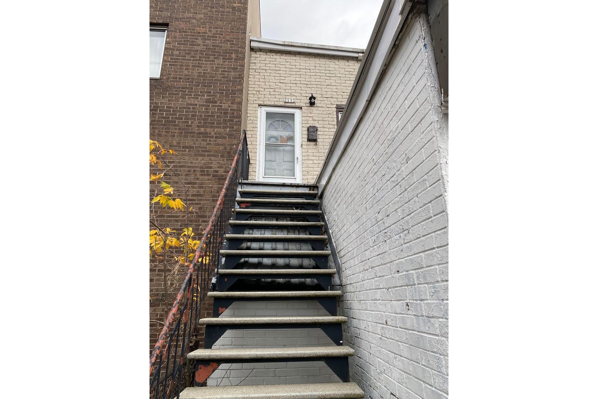 image 7 - Triplex For sale Mercier/Hochelaga-Maisonneuve Montréal  - 3 rooms