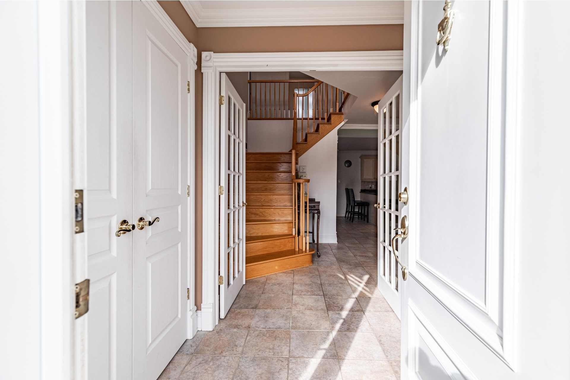image 6 - House For sale Kirkland - 13 rooms