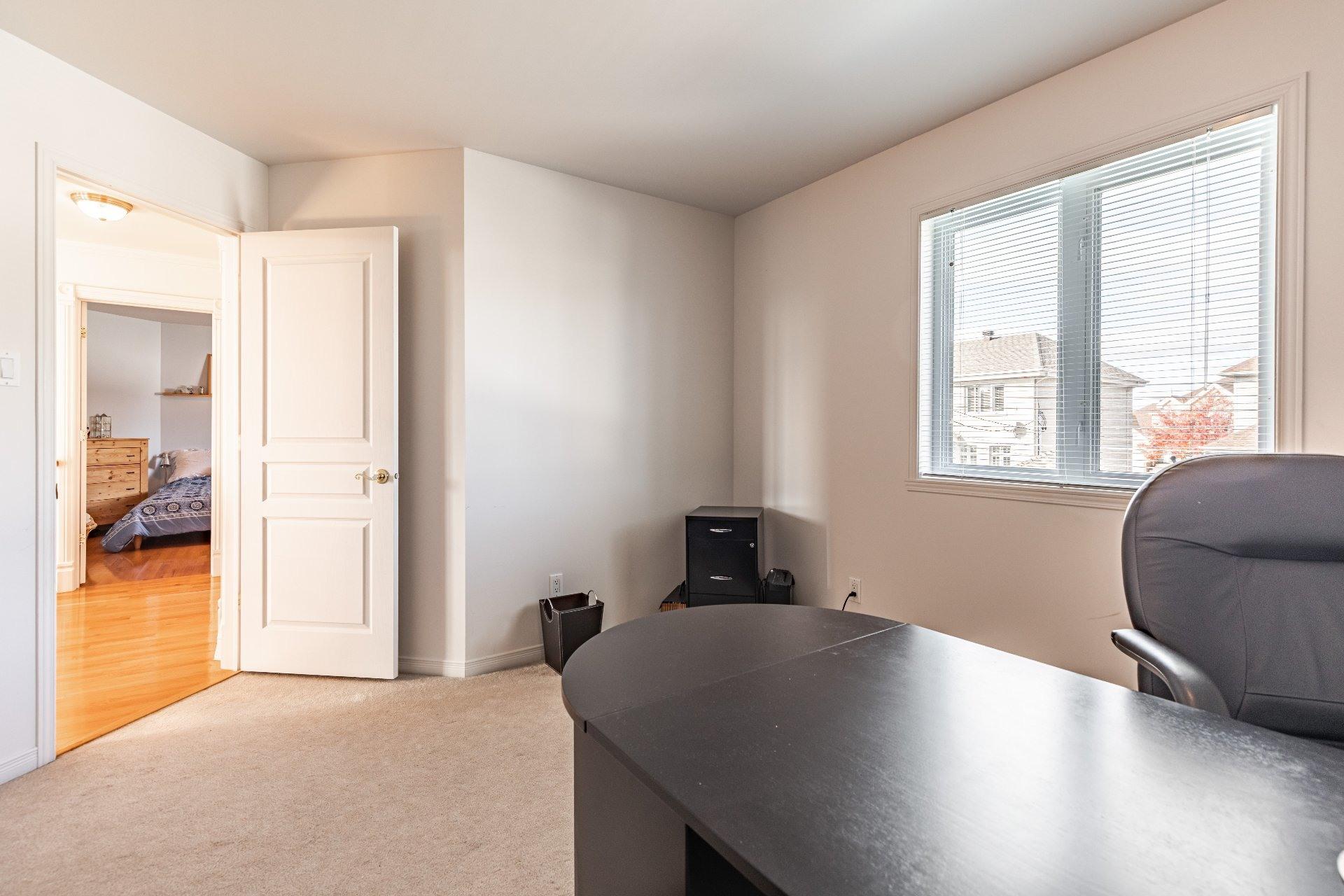 image 33 - House For sale Kirkland - 13 rooms