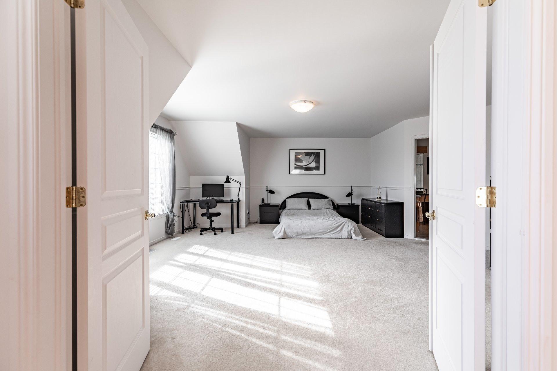 image 34 - House For sale Kirkland - 13 rooms