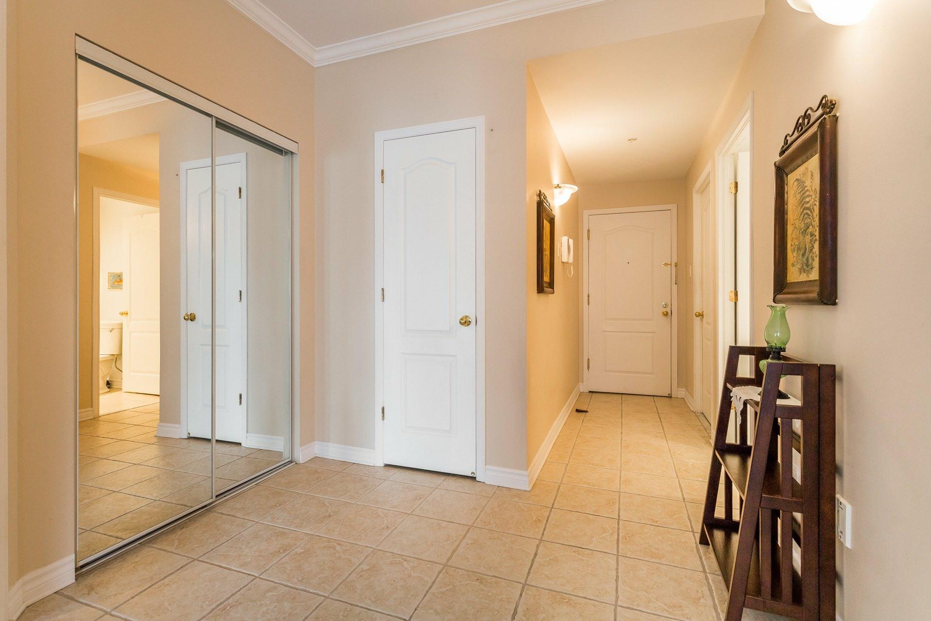 image 9 - Apartment For rent Anjou Montréal  - 7 rooms