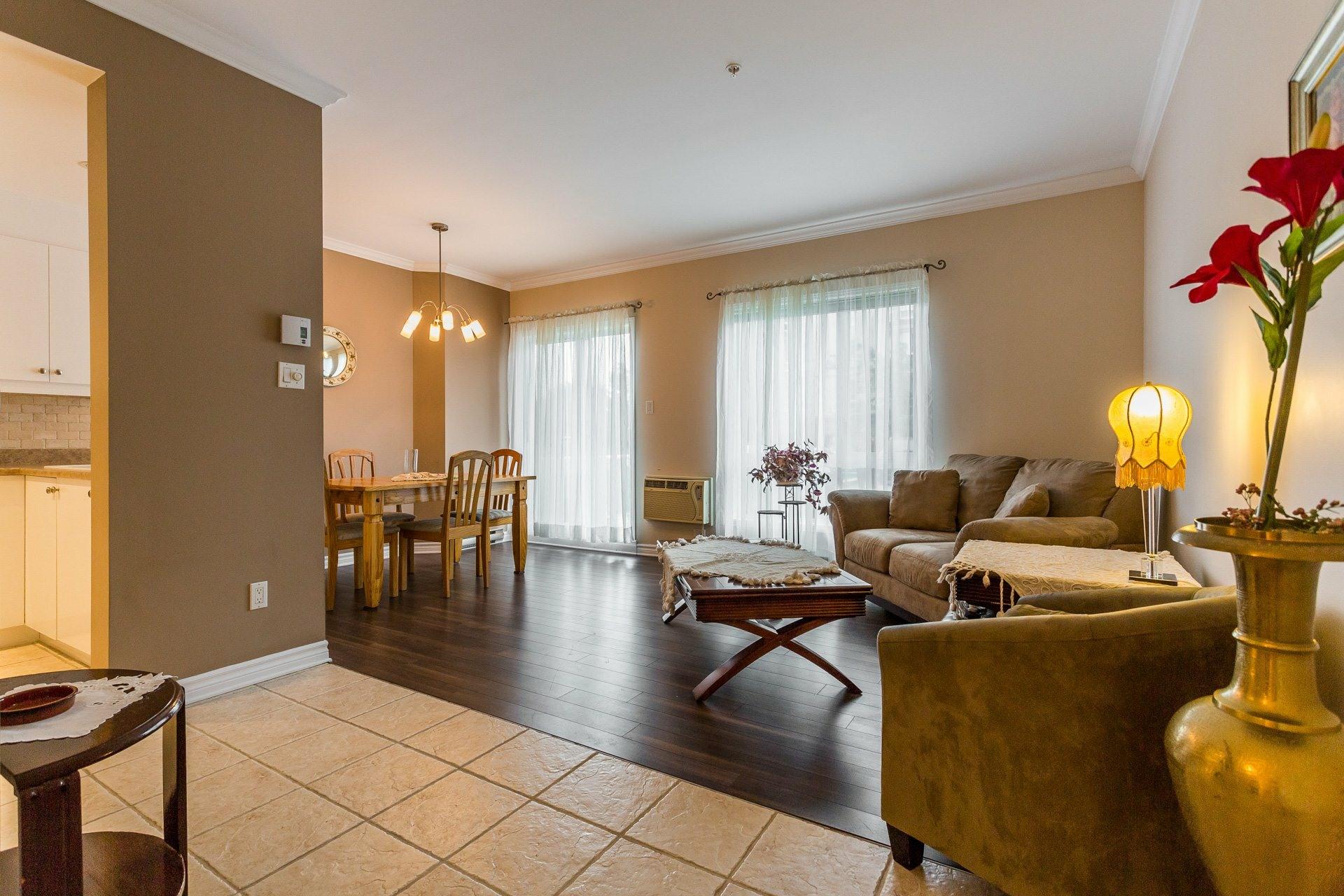 image 2 - Apartment For rent Anjou Montréal  - 7 rooms