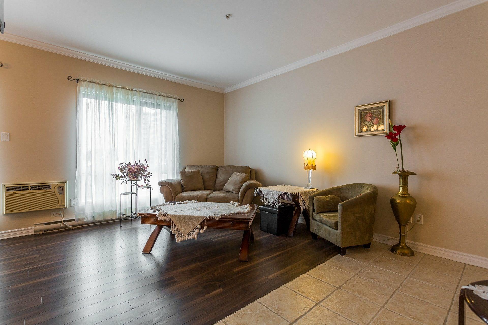 image 3 - Apartment For rent Anjou Montréal  - 7 rooms