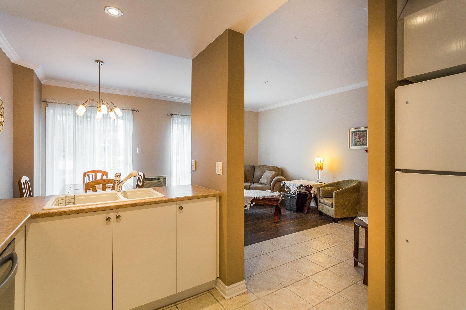 image 1 - Apartment For rent Anjou Montréal  - 7 rooms