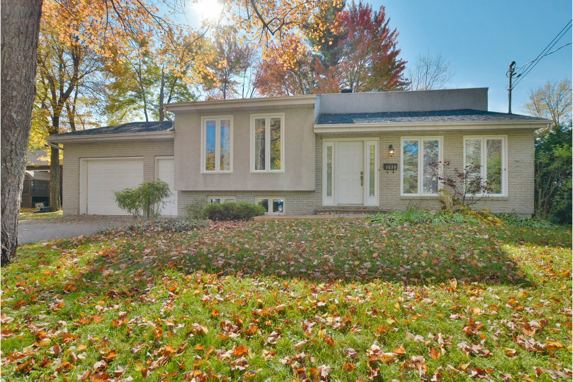 image 0 - House For sale Mascouche - 11 rooms
