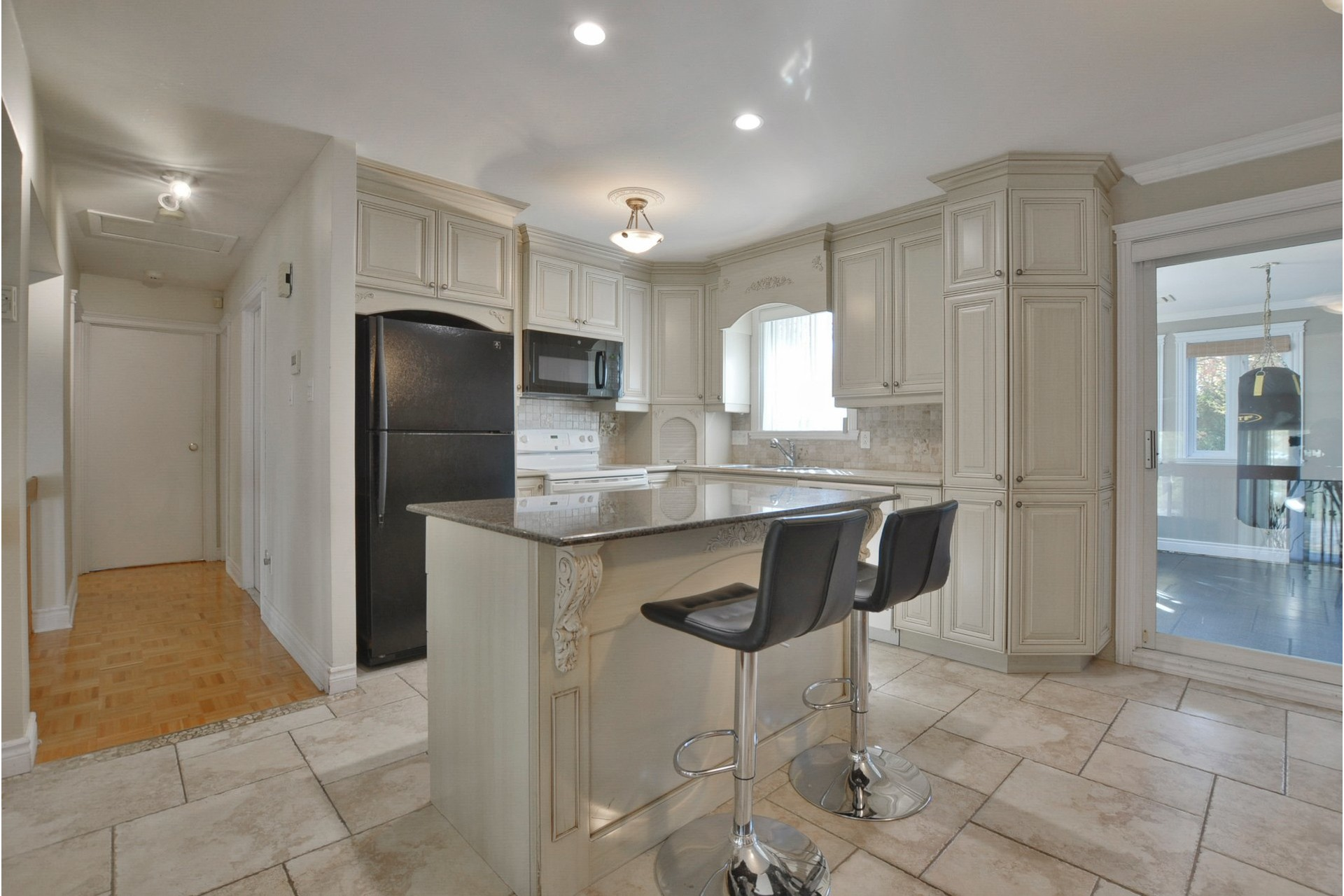 image 5 - House For sale Mascouche - 11 rooms