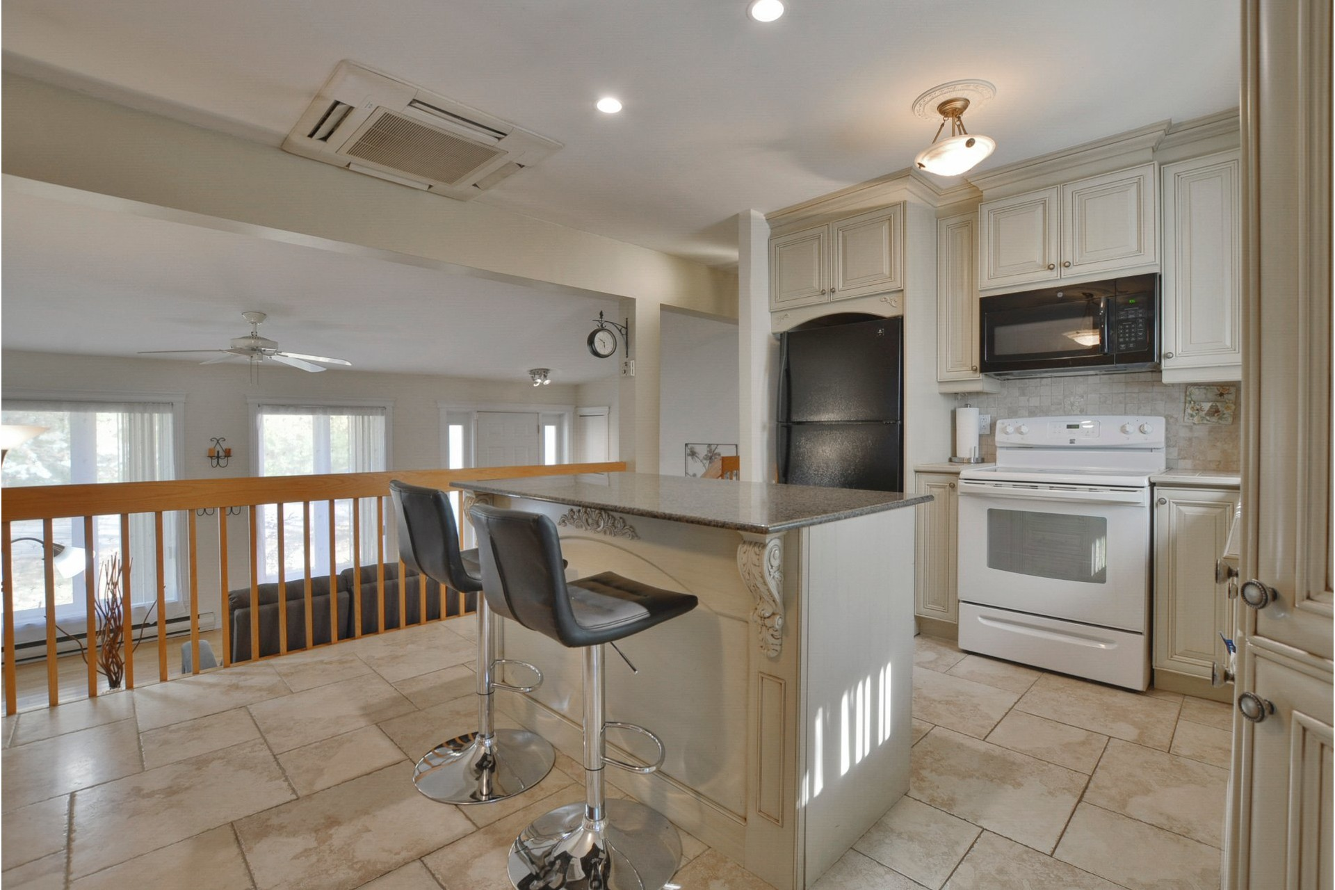 image 6 - House For sale Mascouche - 11 rooms