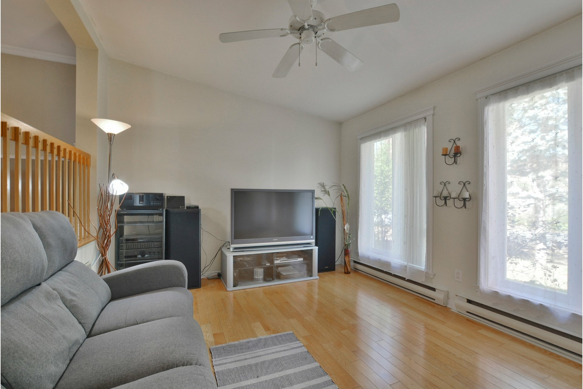image 2 - House For sale Mascouche - 11 rooms
