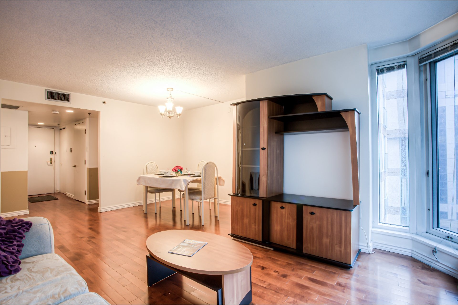 image 2 - Apartment For sale Ville-Marie Montréal  - 5 rooms