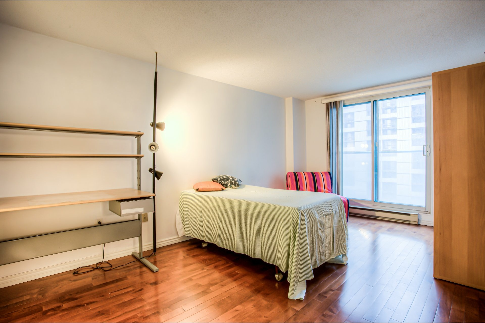 image 9 - Apartment For sale Ville-Marie Montréal  - 5 rooms