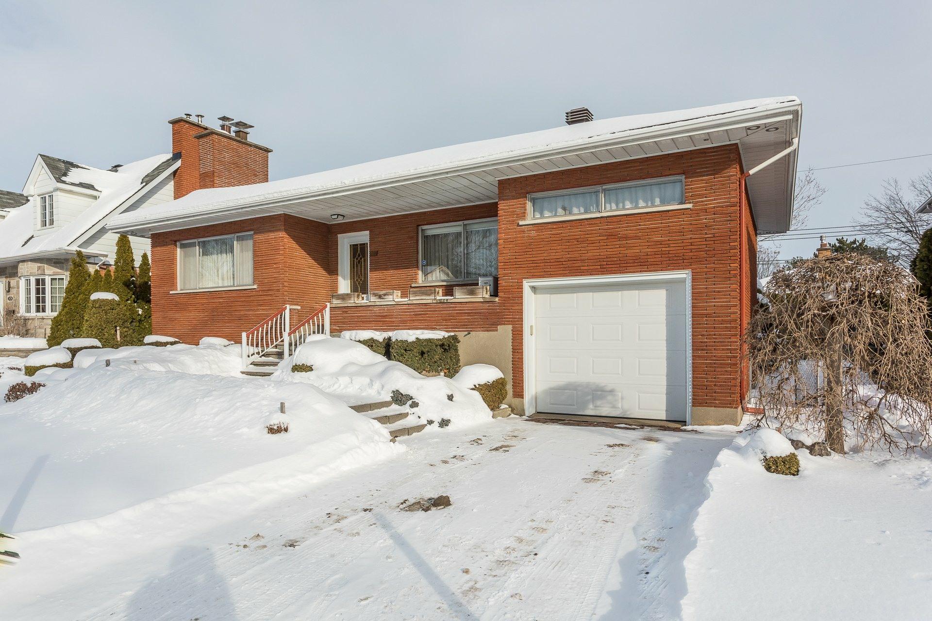 image 1 - House For sale Lachine Montréal  - 14 rooms