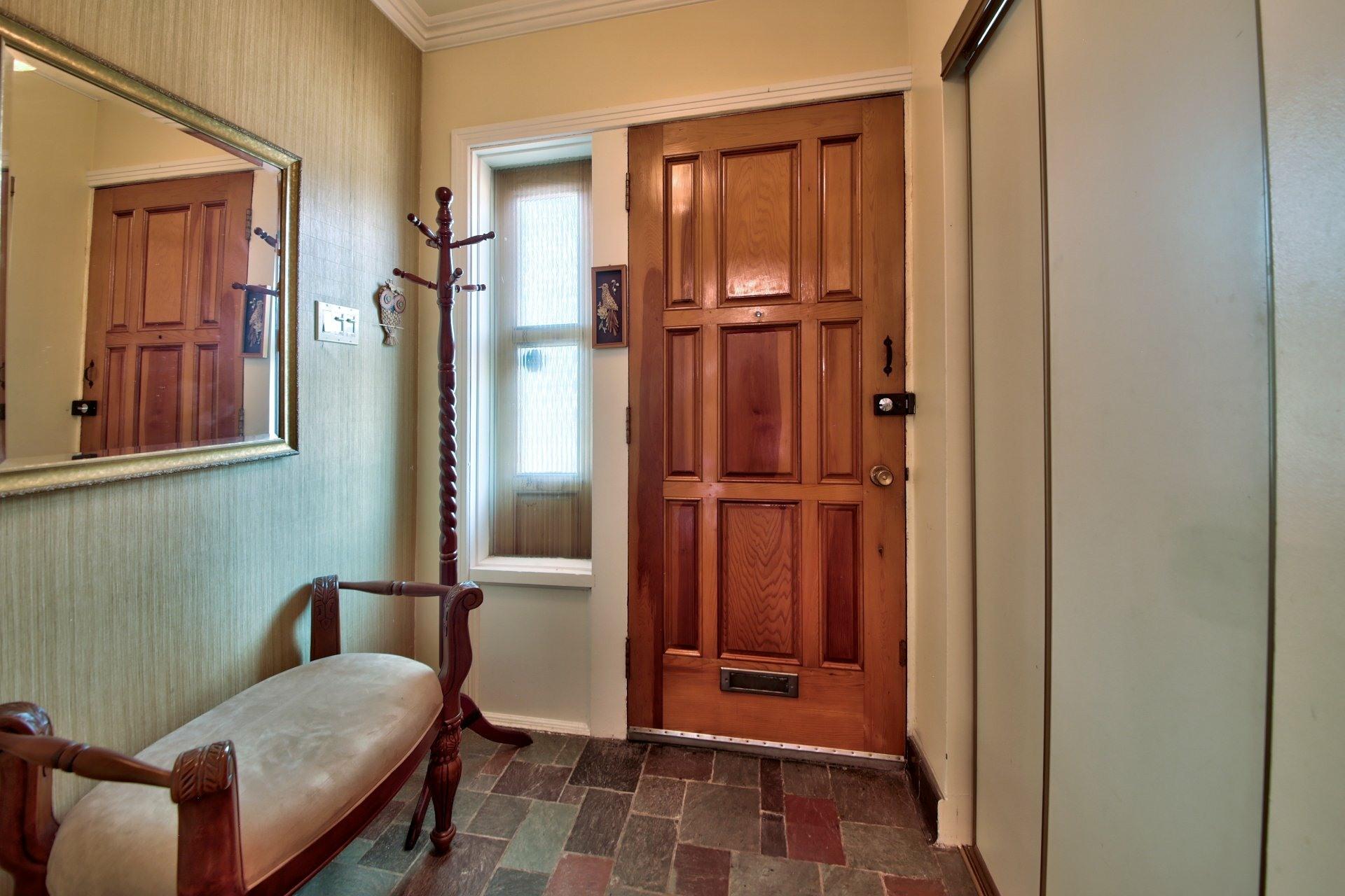 image 1 - House For sale Ahuntsic-Cartierville Montréal  - 11 rooms