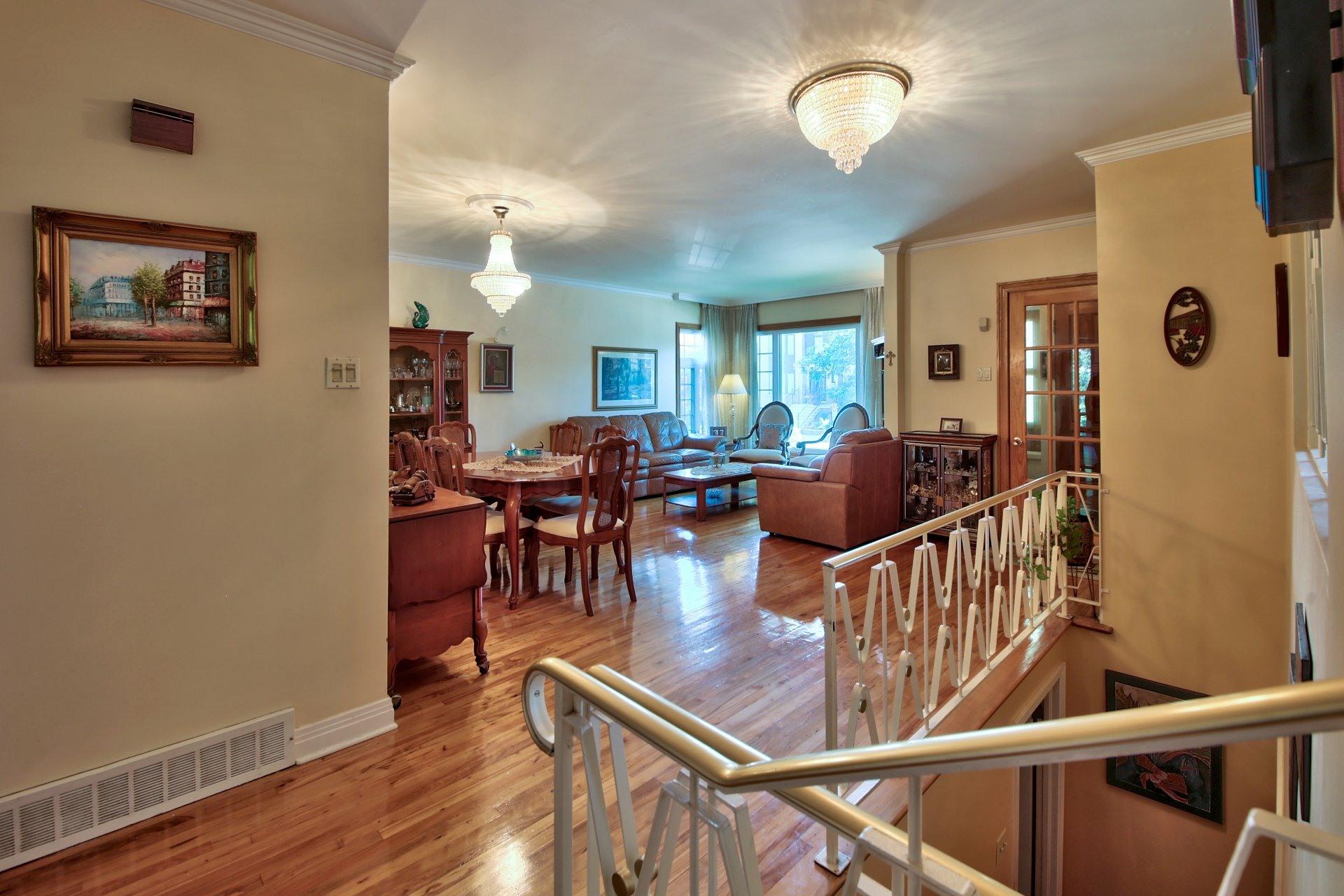 image 9 - House For sale Ahuntsic-Cartierville Montréal  - 11 rooms