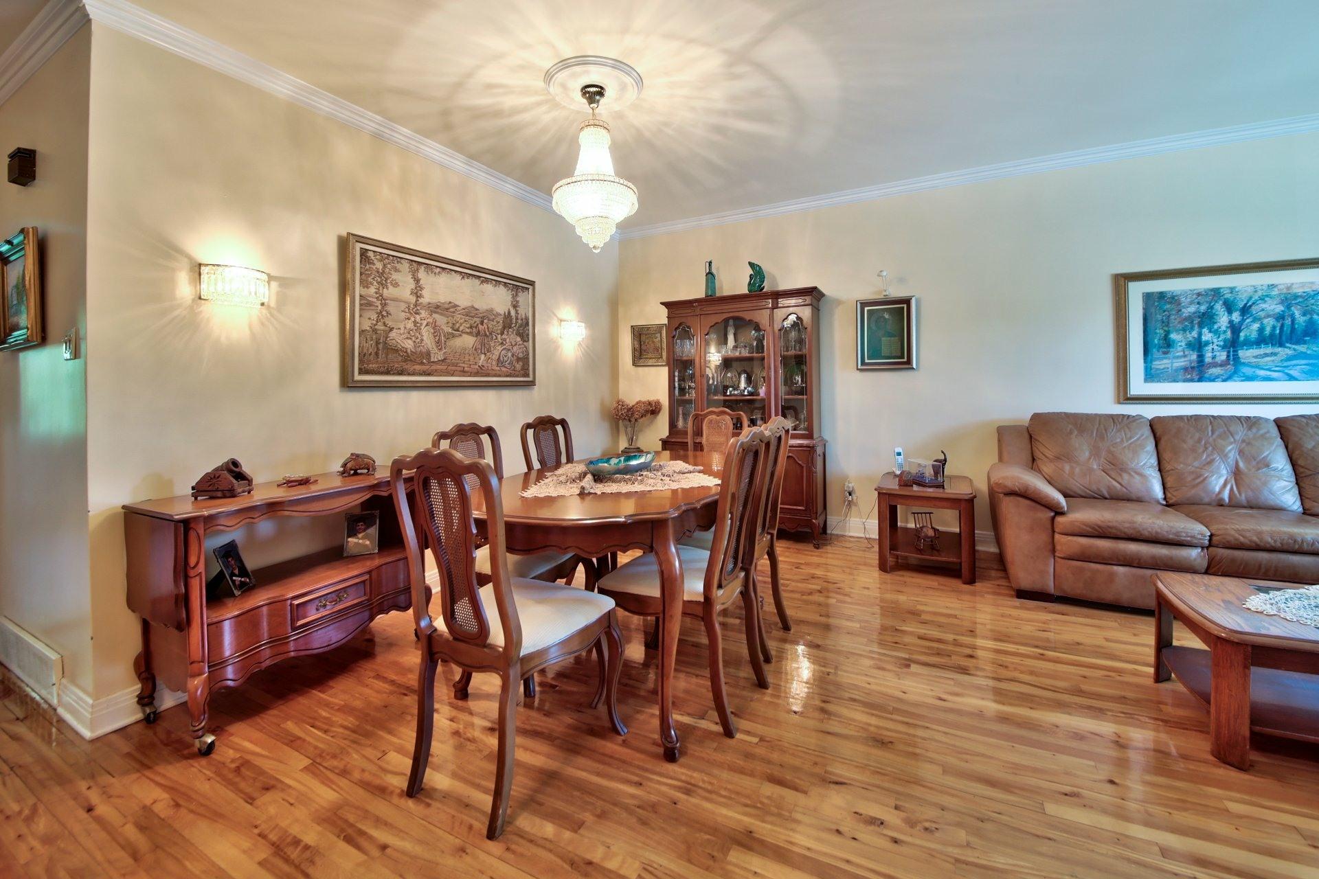 image 7 - House For sale Ahuntsic-Cartierville Montréal  - 11 rooms