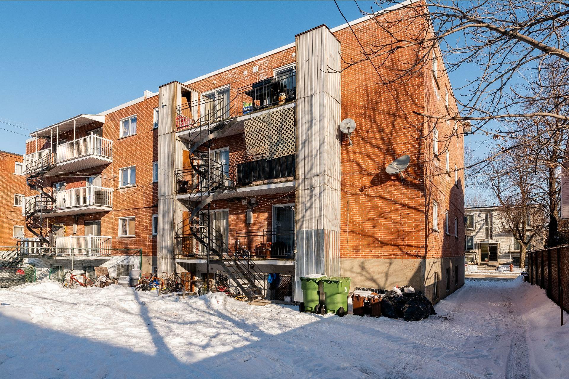 image 18 - Immeuble à revenus À vendre Anjou Montréal  - 5 pièces
