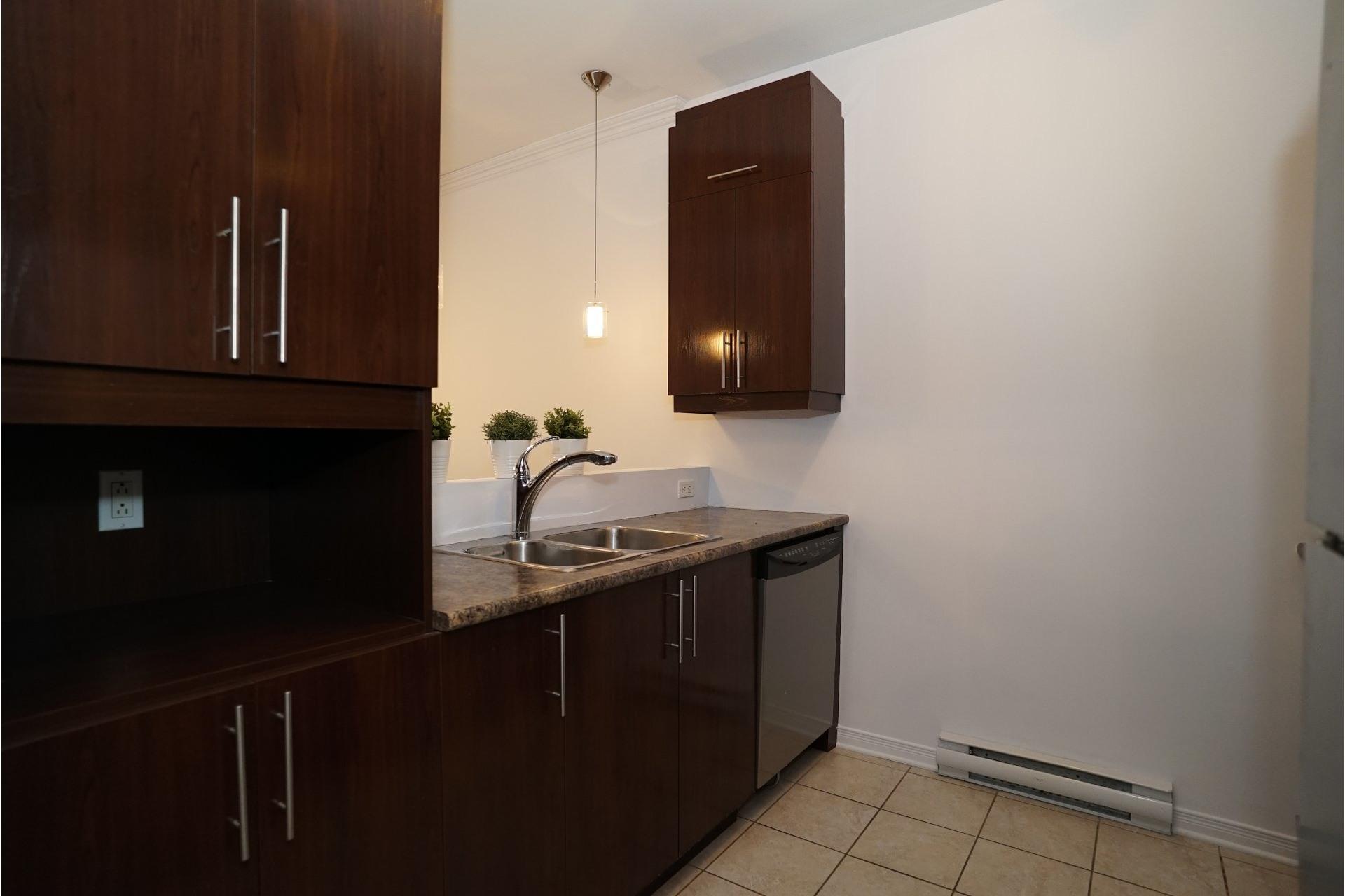 image 9 - Appartement À vendre LaSalle Montréal  - 11 pièces
