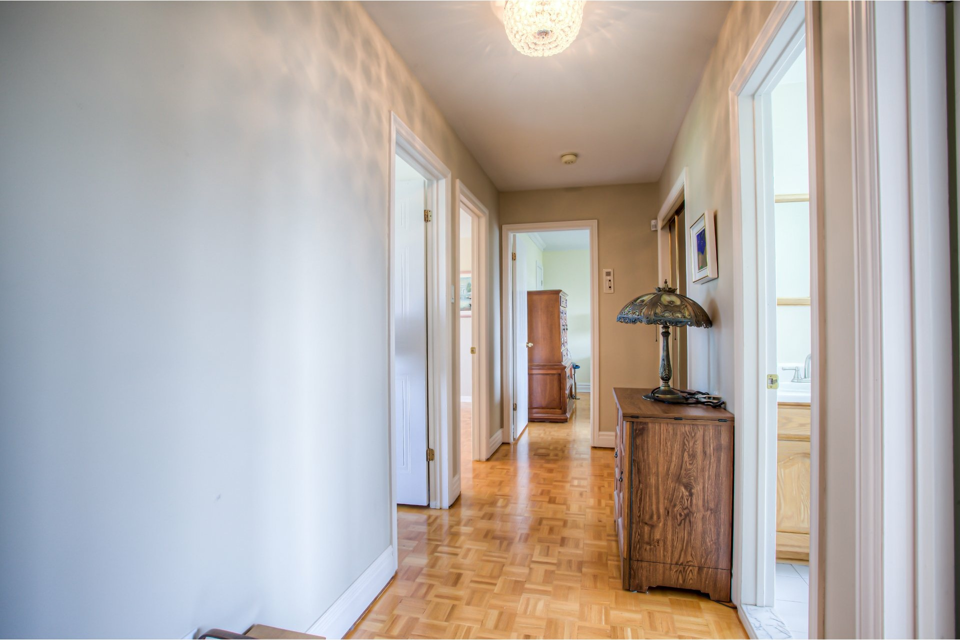 image 19 - House For sale Kirkland - 11 rooms