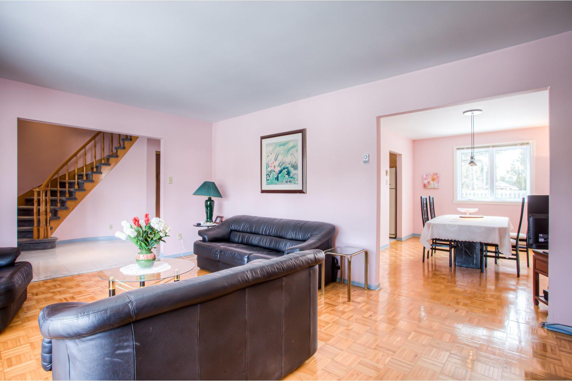 image 3 - House For sale Kirkland - 8 rooms