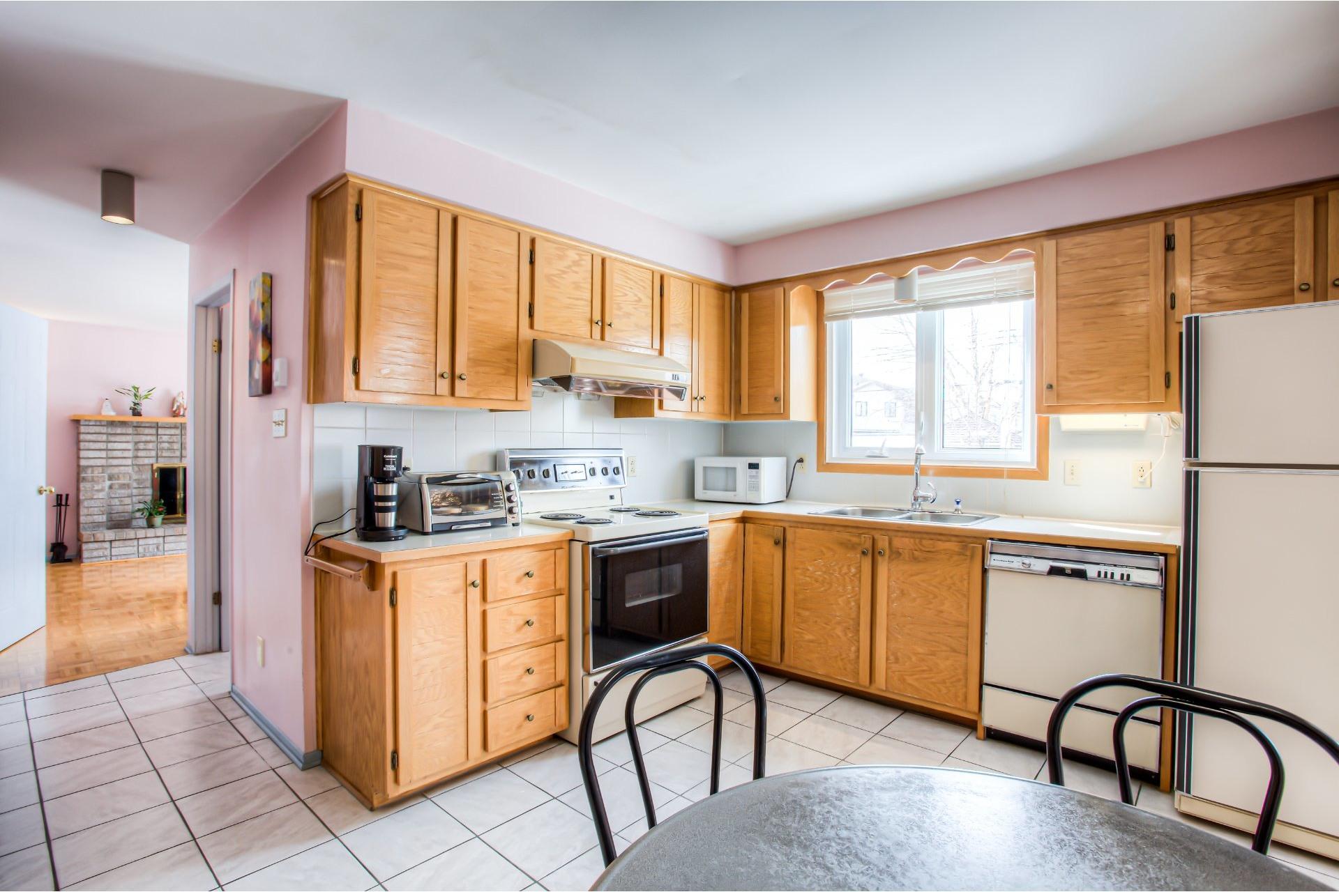 image 9 - House For sale Kirkland - 8 rooms