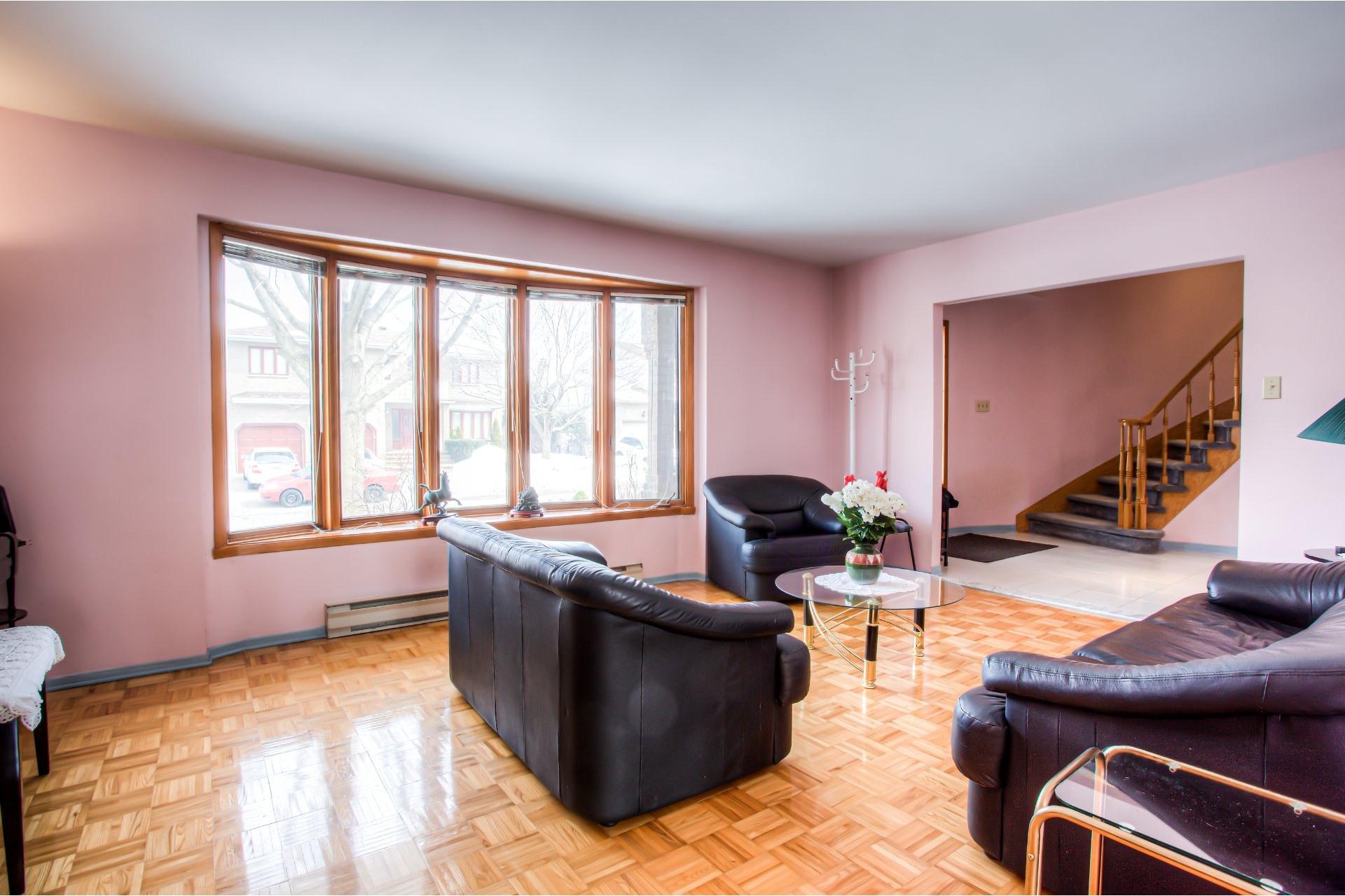 image 2 - House For sale Kirkland - 8 rooms