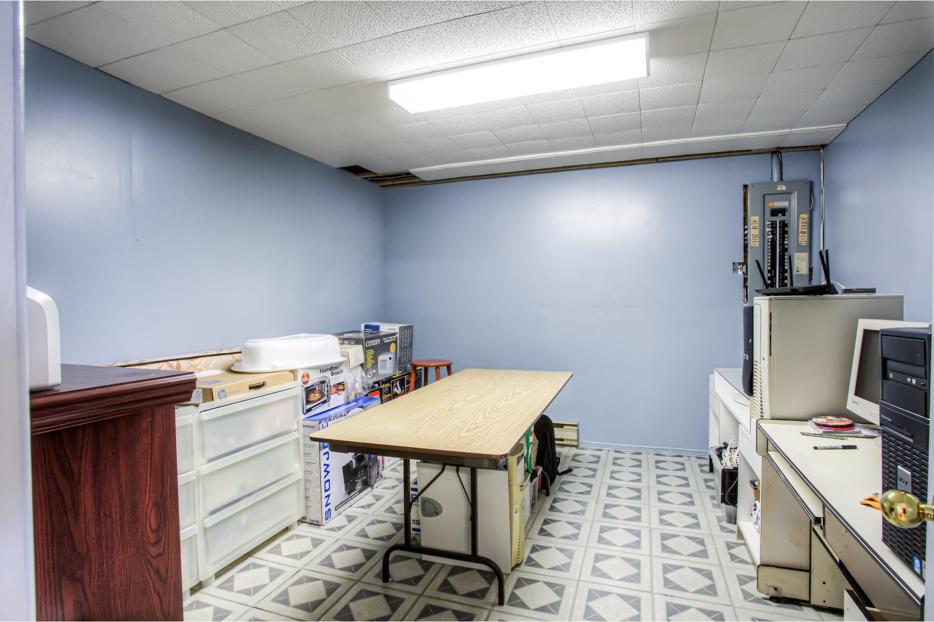 image 21 - Maison À vendre Kirkland - 8 pièces