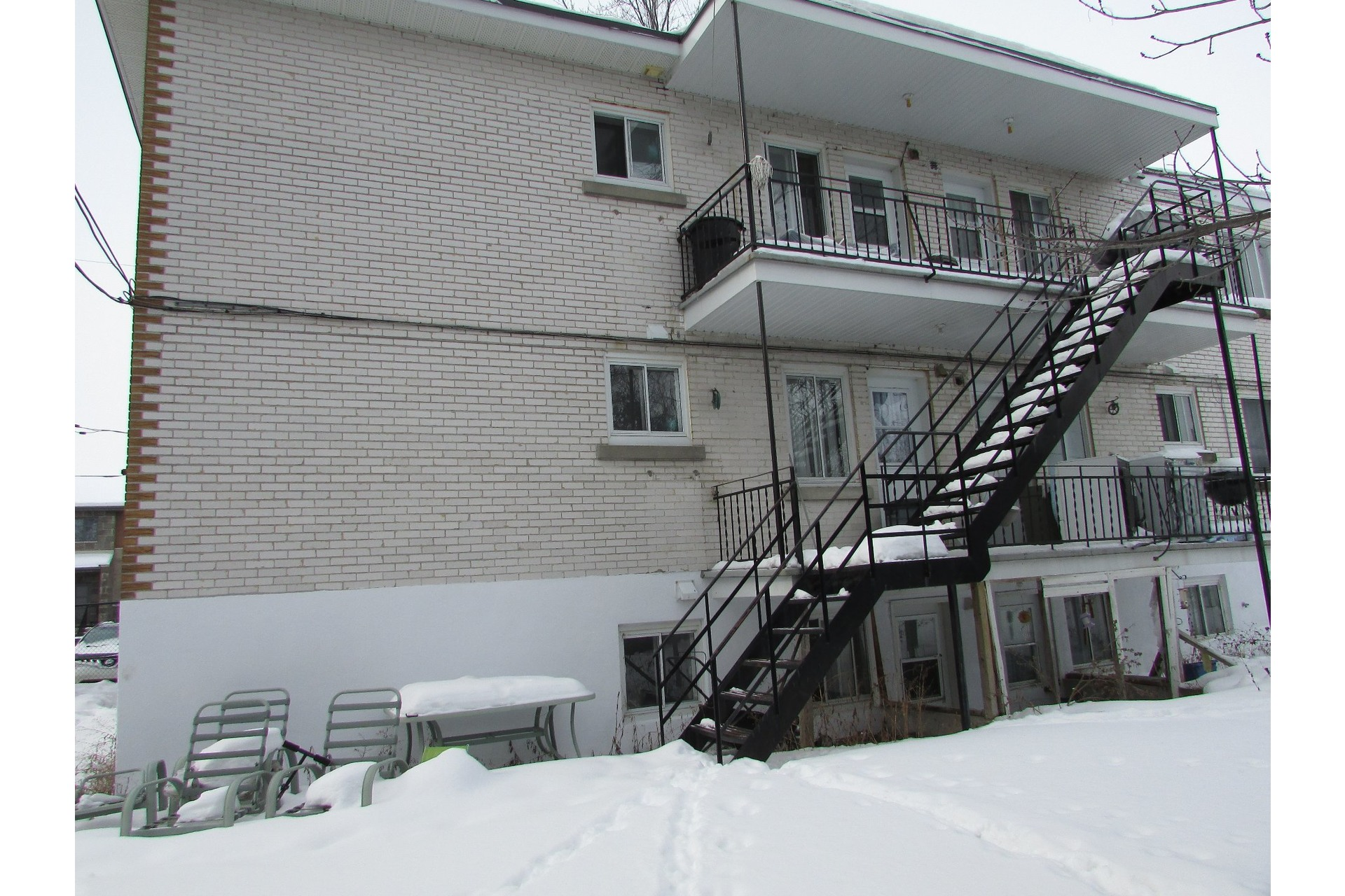 image 3 - Income property For sale Duvernay Laval  - 5 rooms