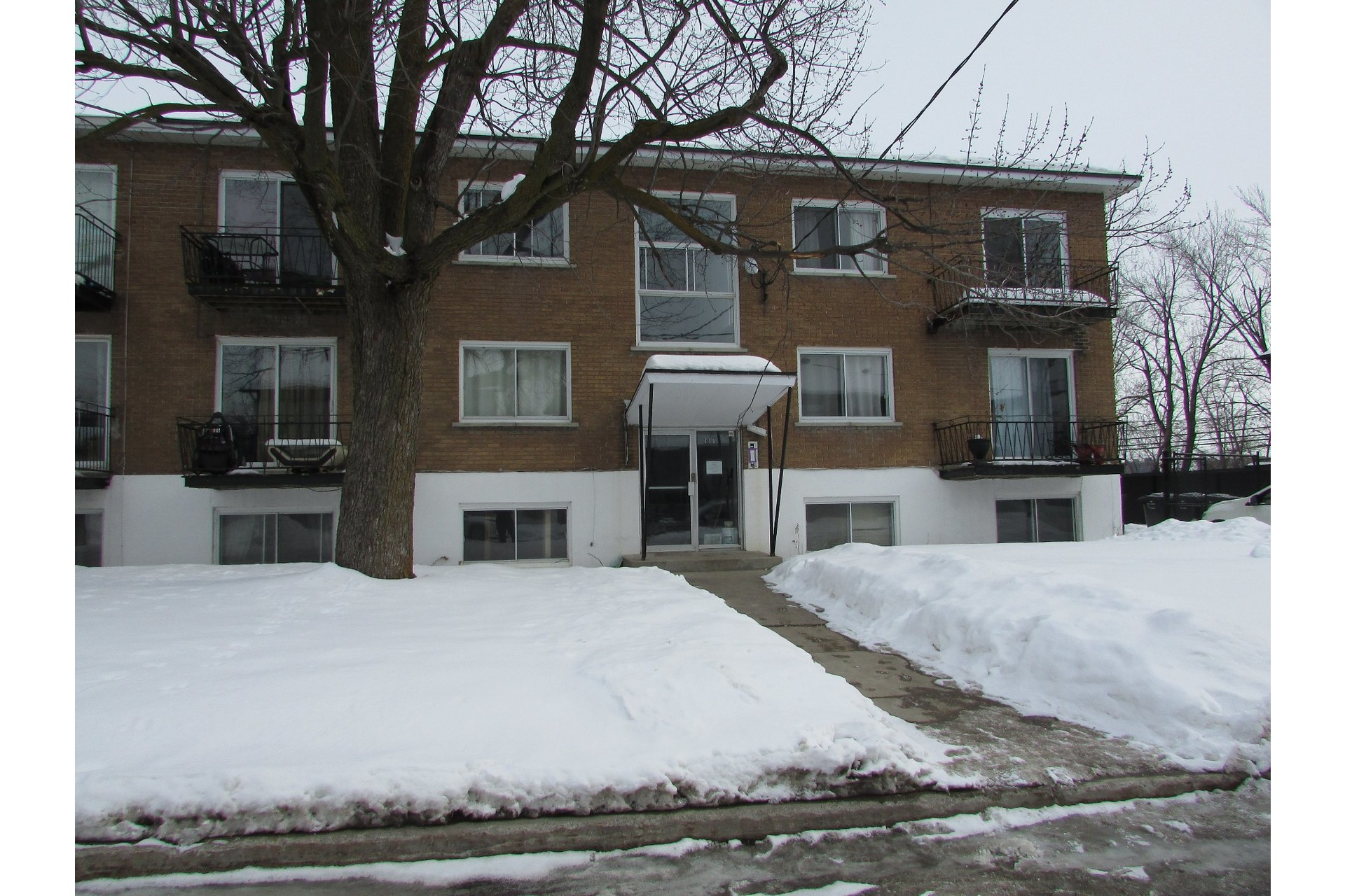 image 0 - Income property For sale Duvernay Laval  - 5 rooms
