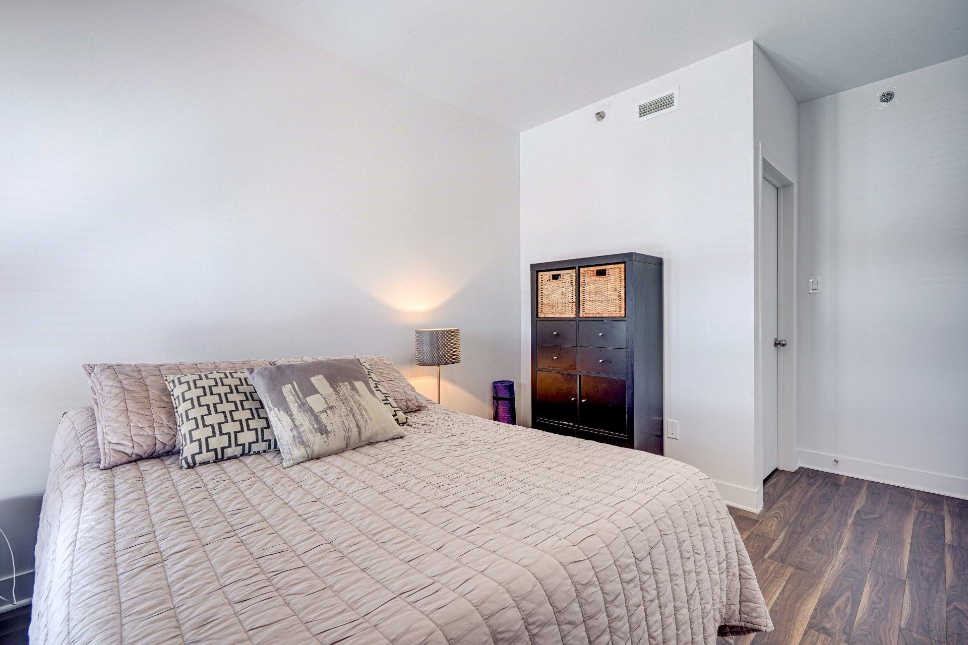image 14 - Appartement À vendre Saint-Laurent Montréal  - 7 pièces
