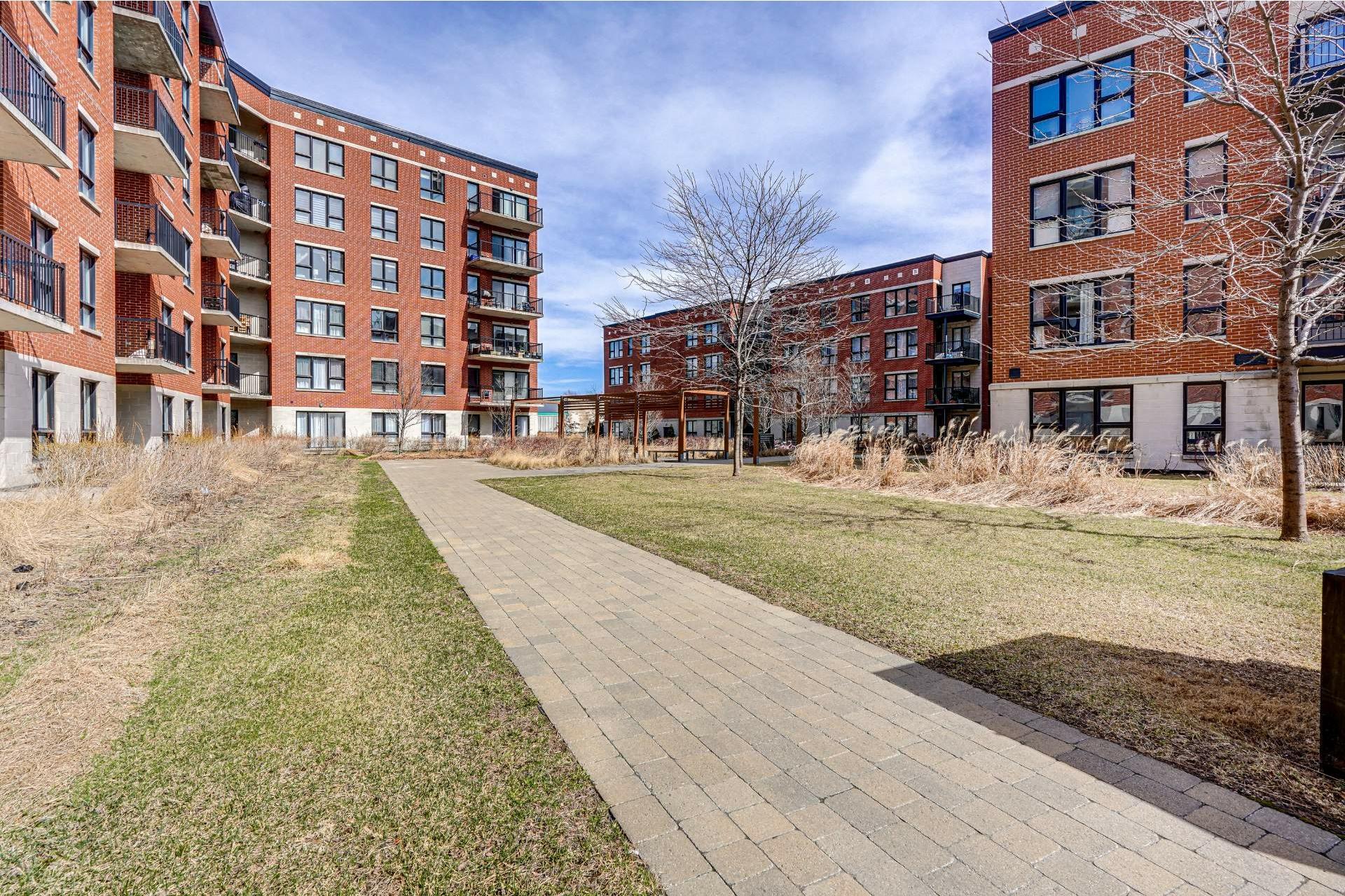 image 23 - Appartement À vendre Saint-Laurent Montréal  - 7 pièces