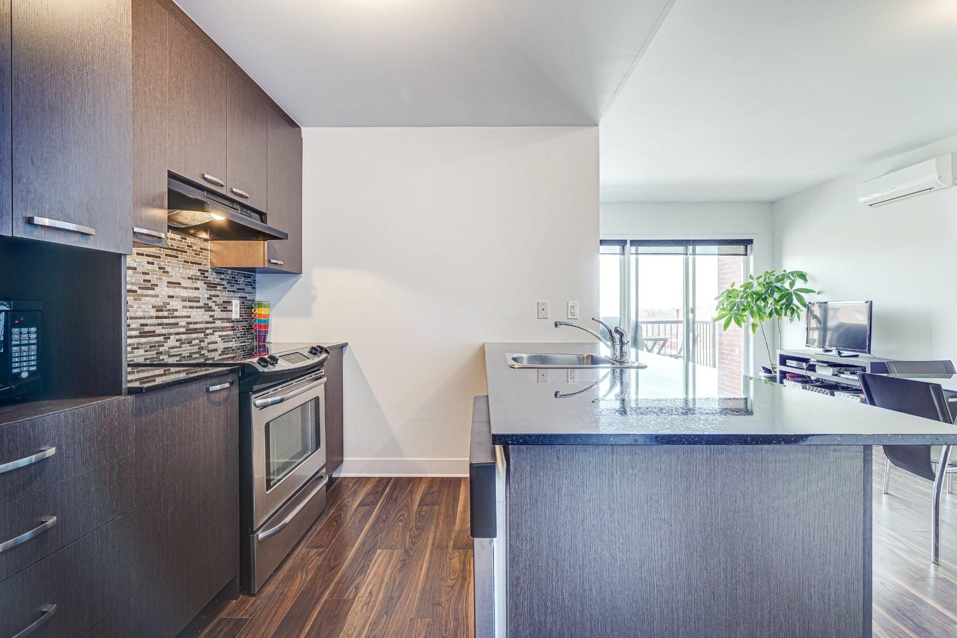 image 10 - Appartement À vendre Saint-Laurent Montréal  - 7 pièces
