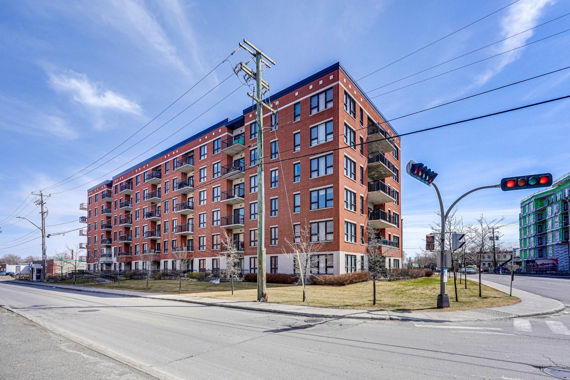 image 1 - Appartement À vendre Saint-Laurent Montréal  - 7 pièces