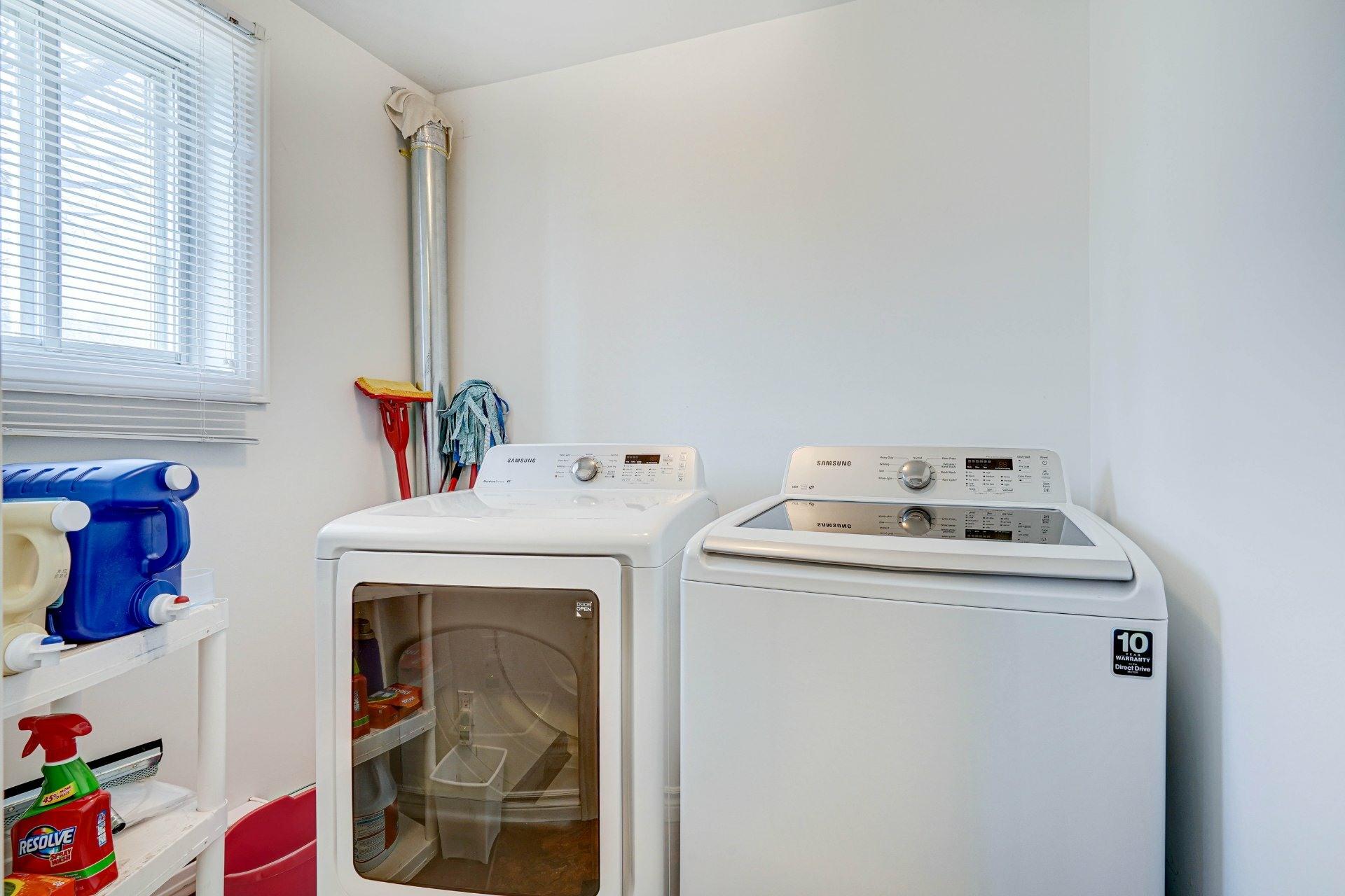 image 28 - Triplex For sale Dorval - 4 rooms