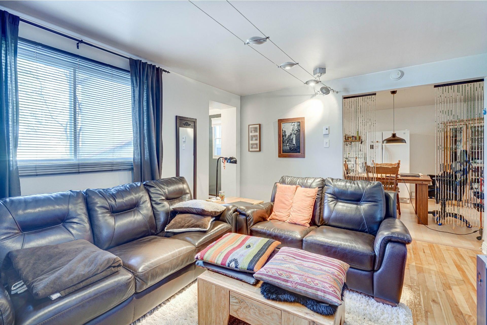 image 21 - Triplex For sale Dorval - 4 rooms