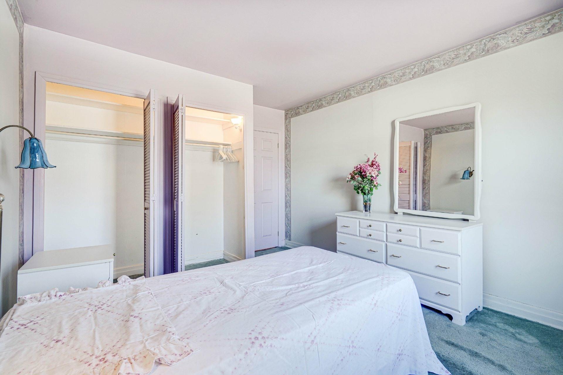 image 10 - Triplex For sale Dorval - 4 rooms