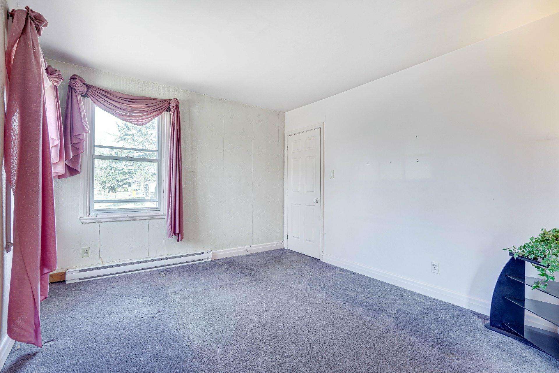 image 4 - Triplex For sale Dorval - 4 rooms