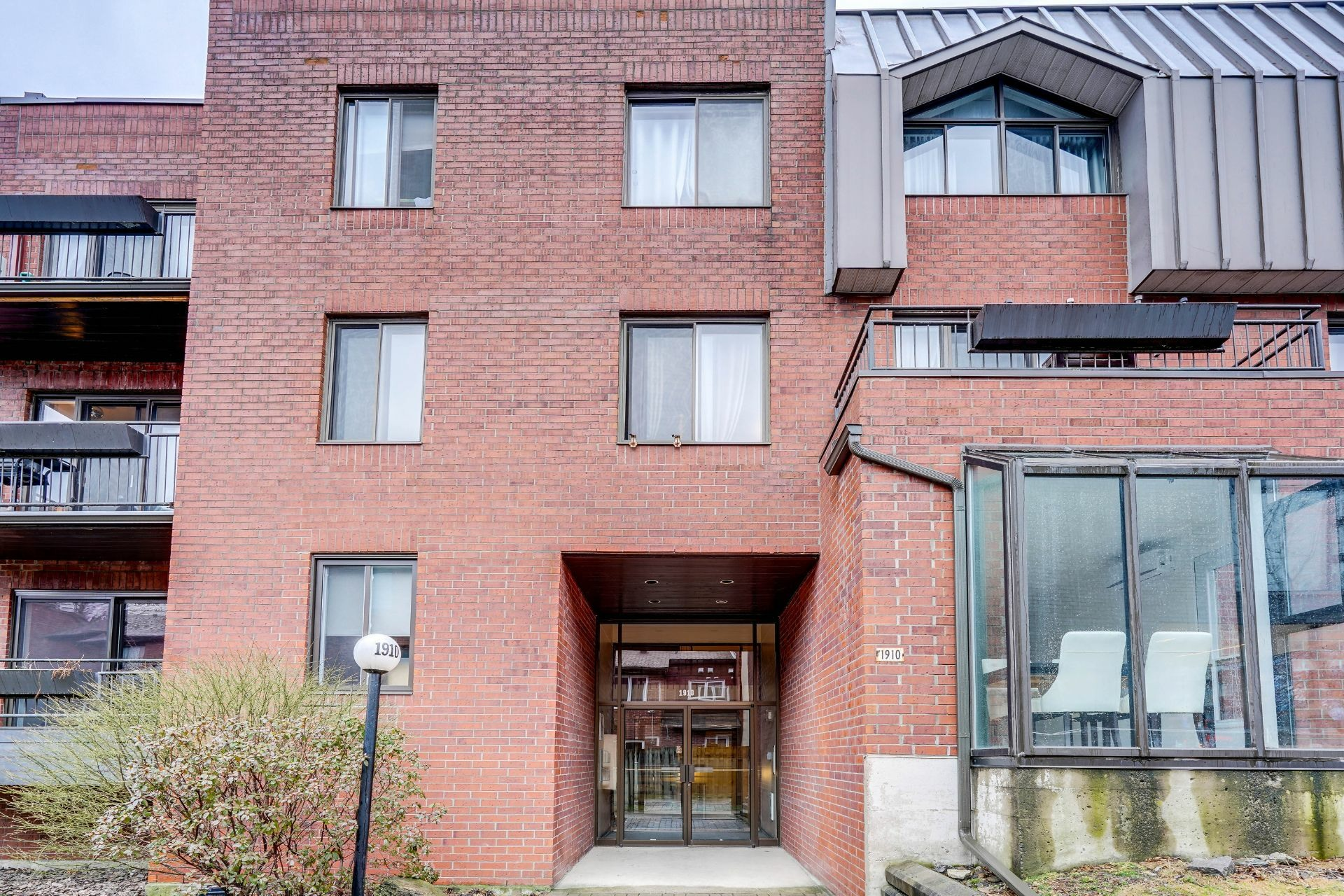 image 1 - Appartement À louer Le Sud-Ouest Montréal  - 10 pièces