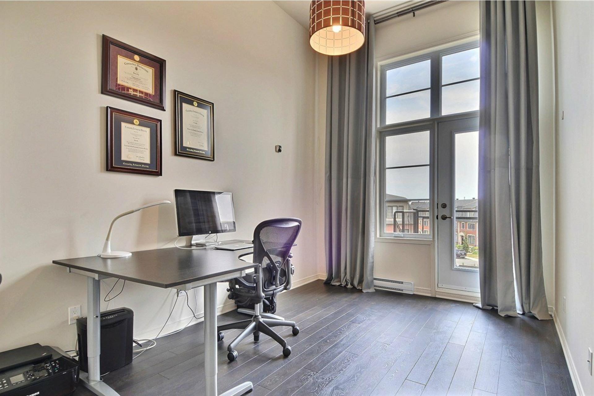 image 6 - Appartamento In Affitto Saint-Laurent Montréal  - 5 stanze