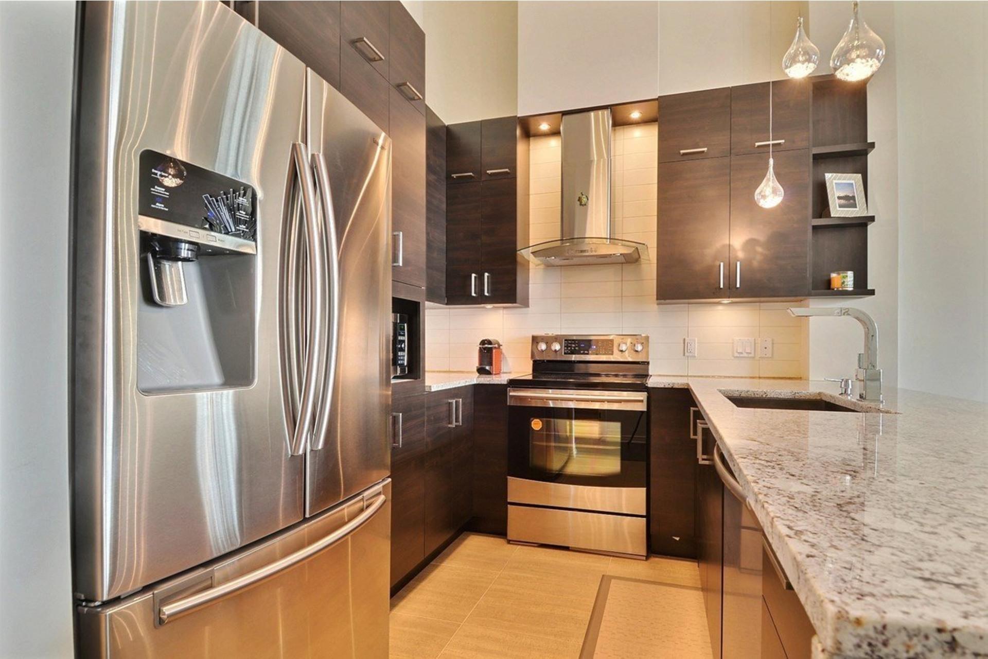 image 4 - Appartamento In Affitto Saint-Laurent Montréal  - 5 stanze