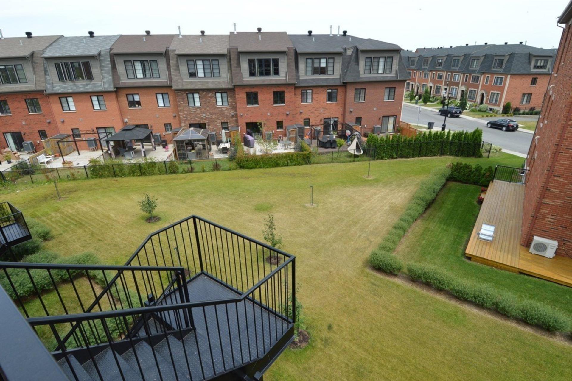 image 9 - Appartamento In Affitto Saint-Laurent Montréal  - 5 stanze