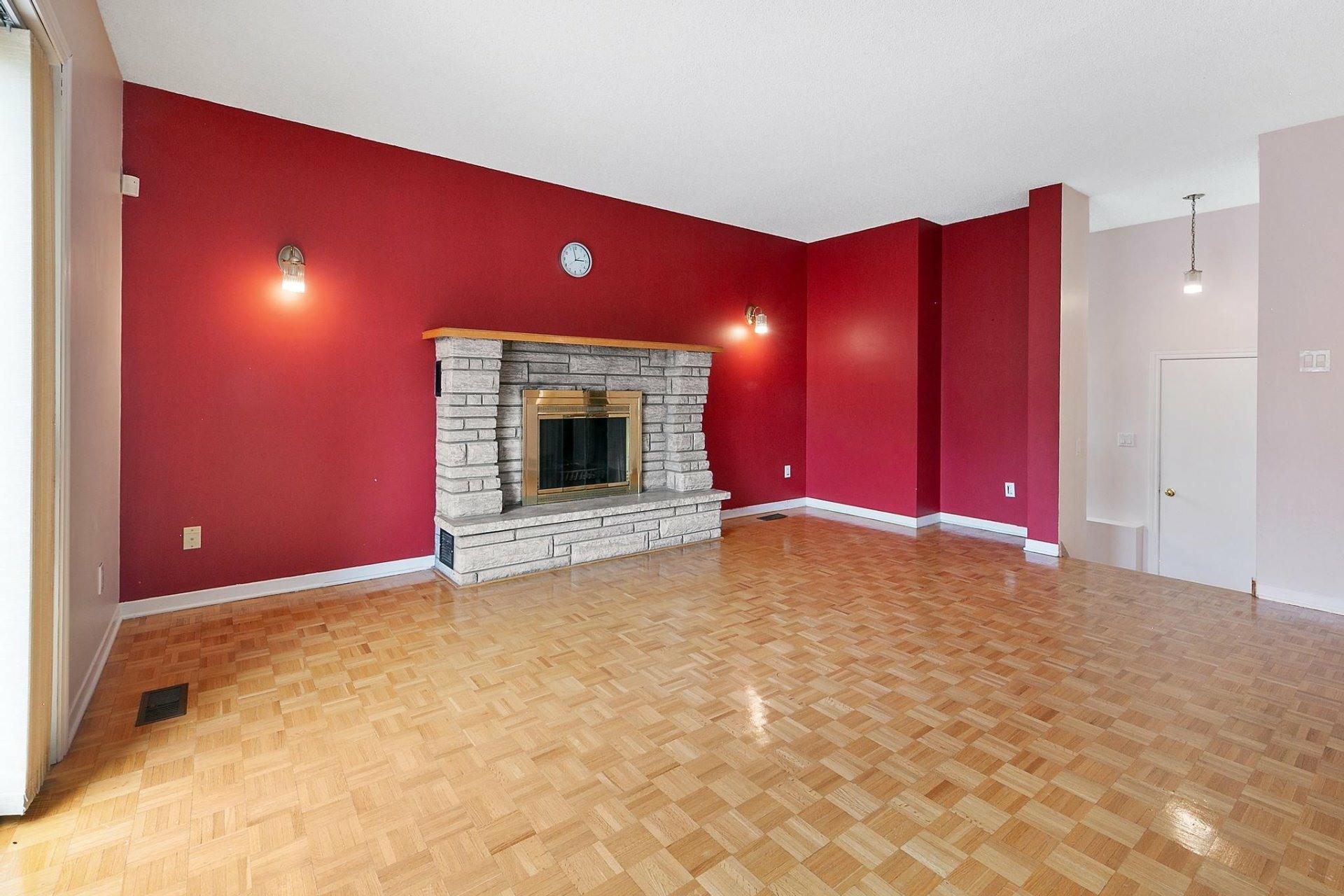 image 9 - House For sale Kirkland - 12 rooms