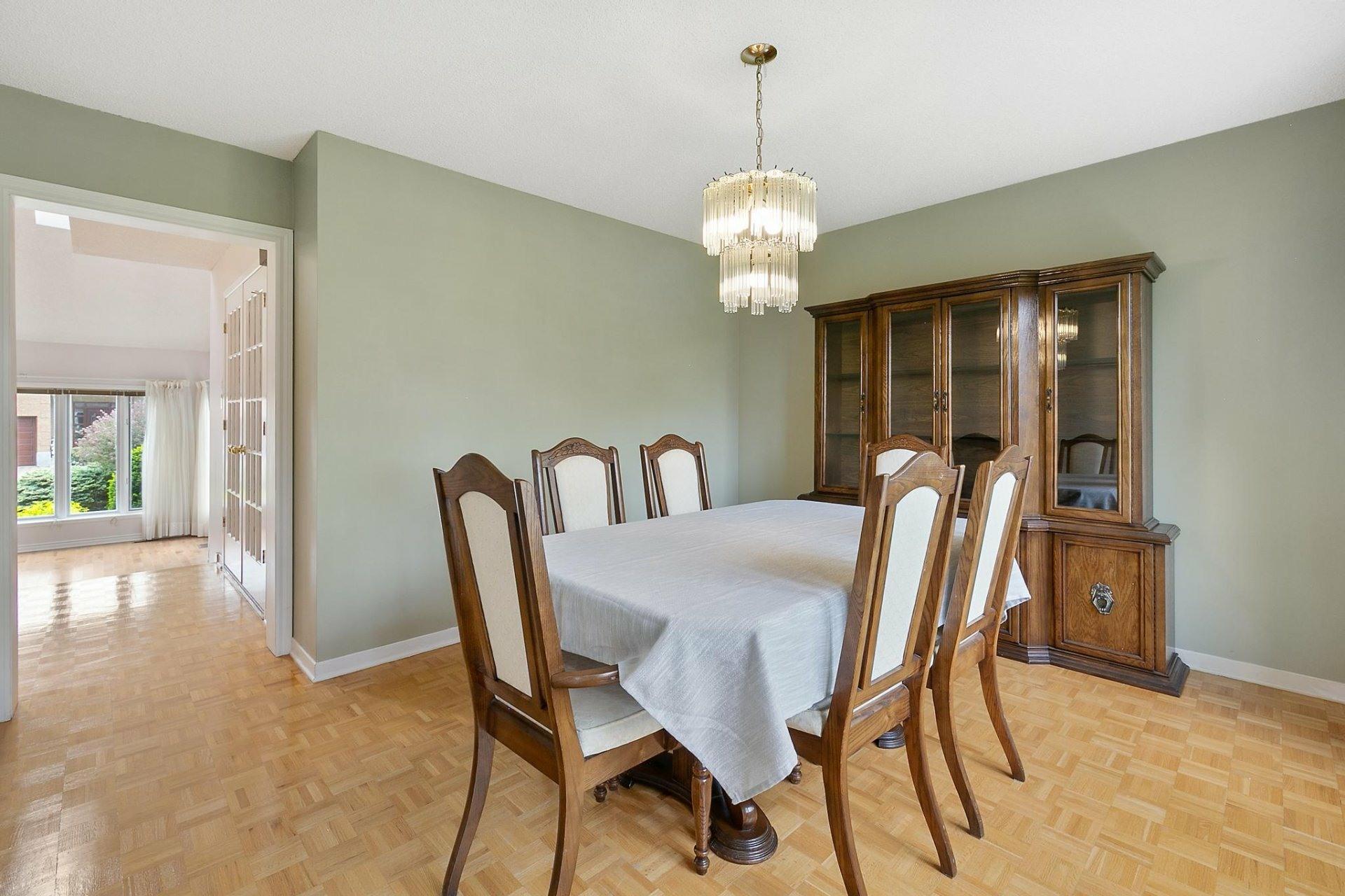 image 5 - House For sale Kirkland - 12 rooms