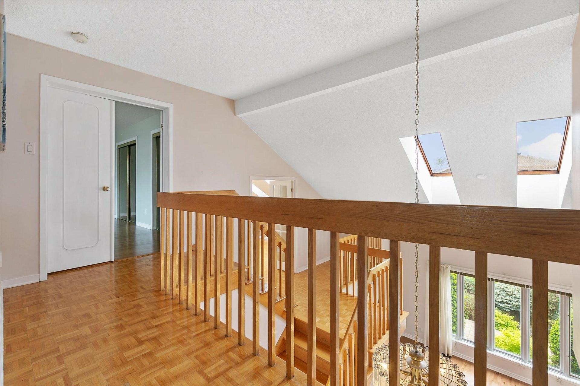 image 21 - House For sale Kirkland - 12 rooms