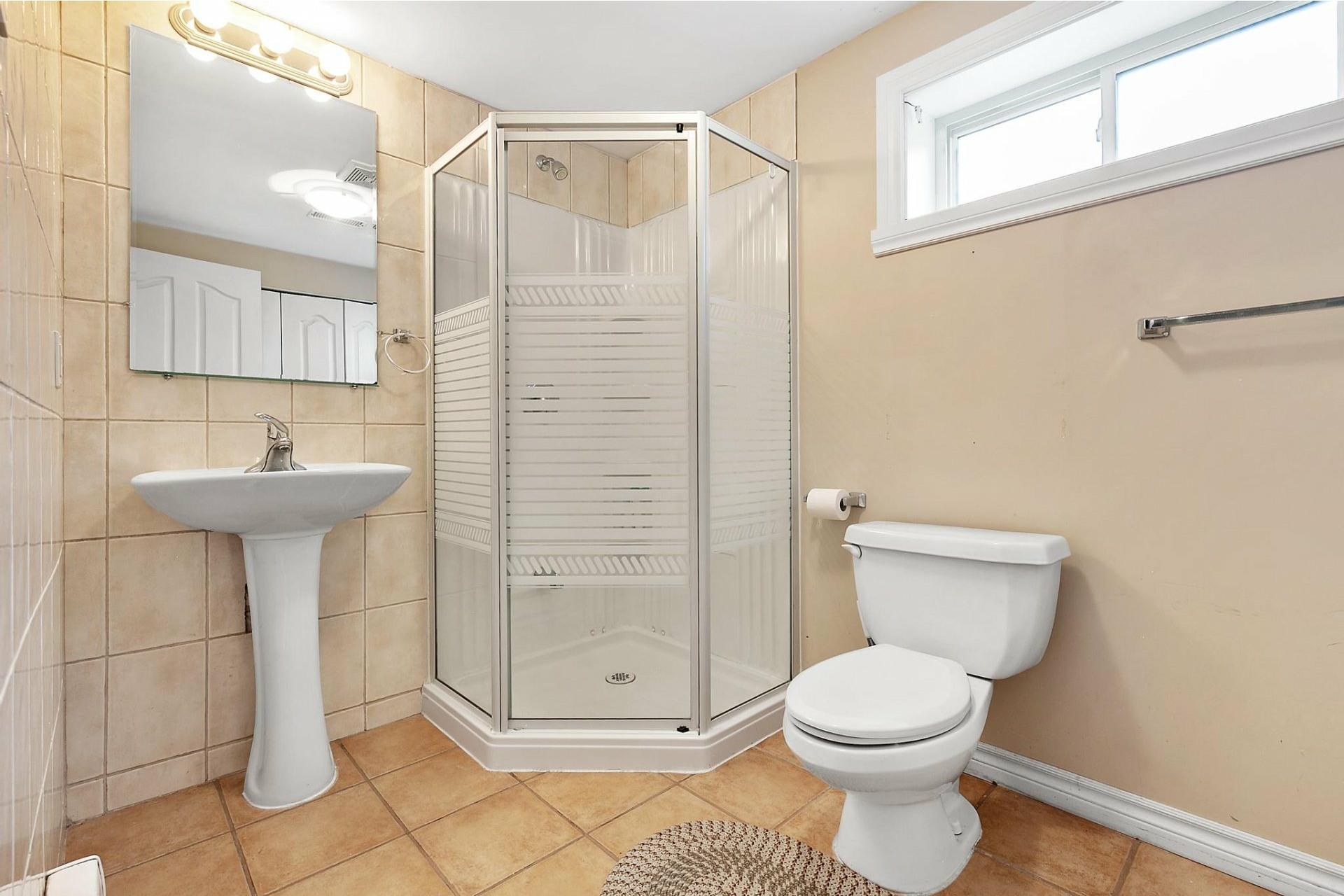image 27 - House For sale Kirkland - 12 rooms