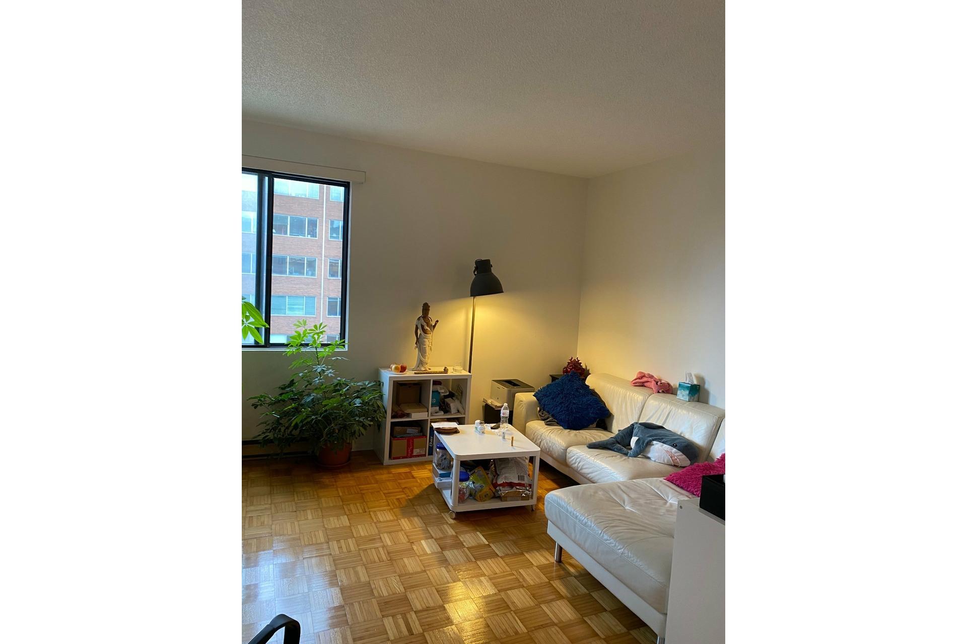 image 5 - Apartment For rent Ville-Marie Montréal  - 6 rooms