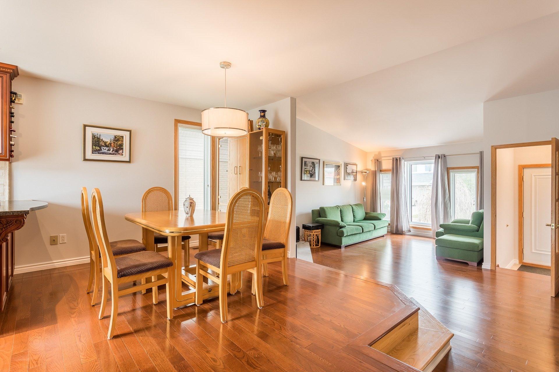 image 8 - Casa In Vendita Vimont Laval  - 9 stanze