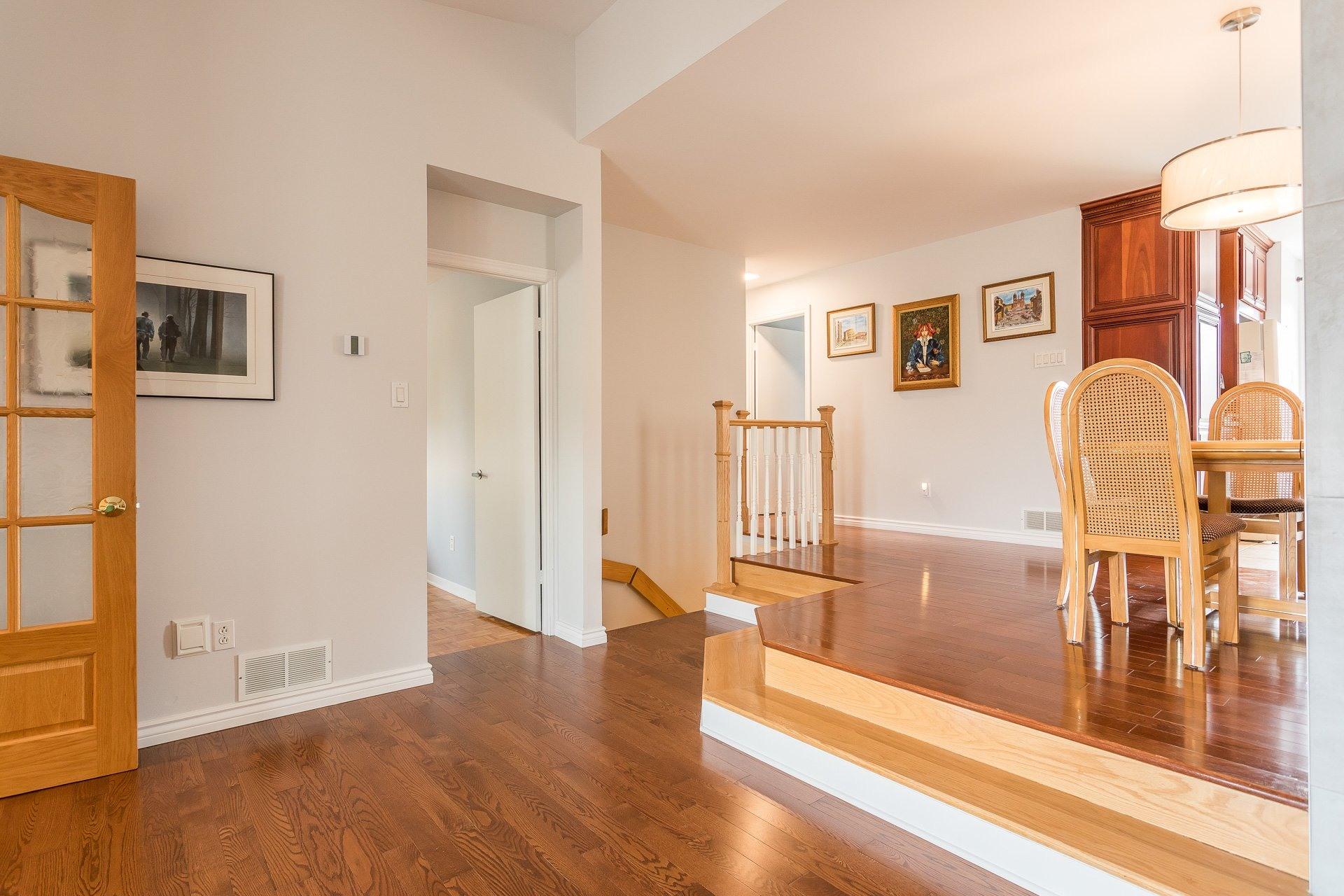 image 9 - Casa In Vendita Vimont Laval  - 9 stanze
