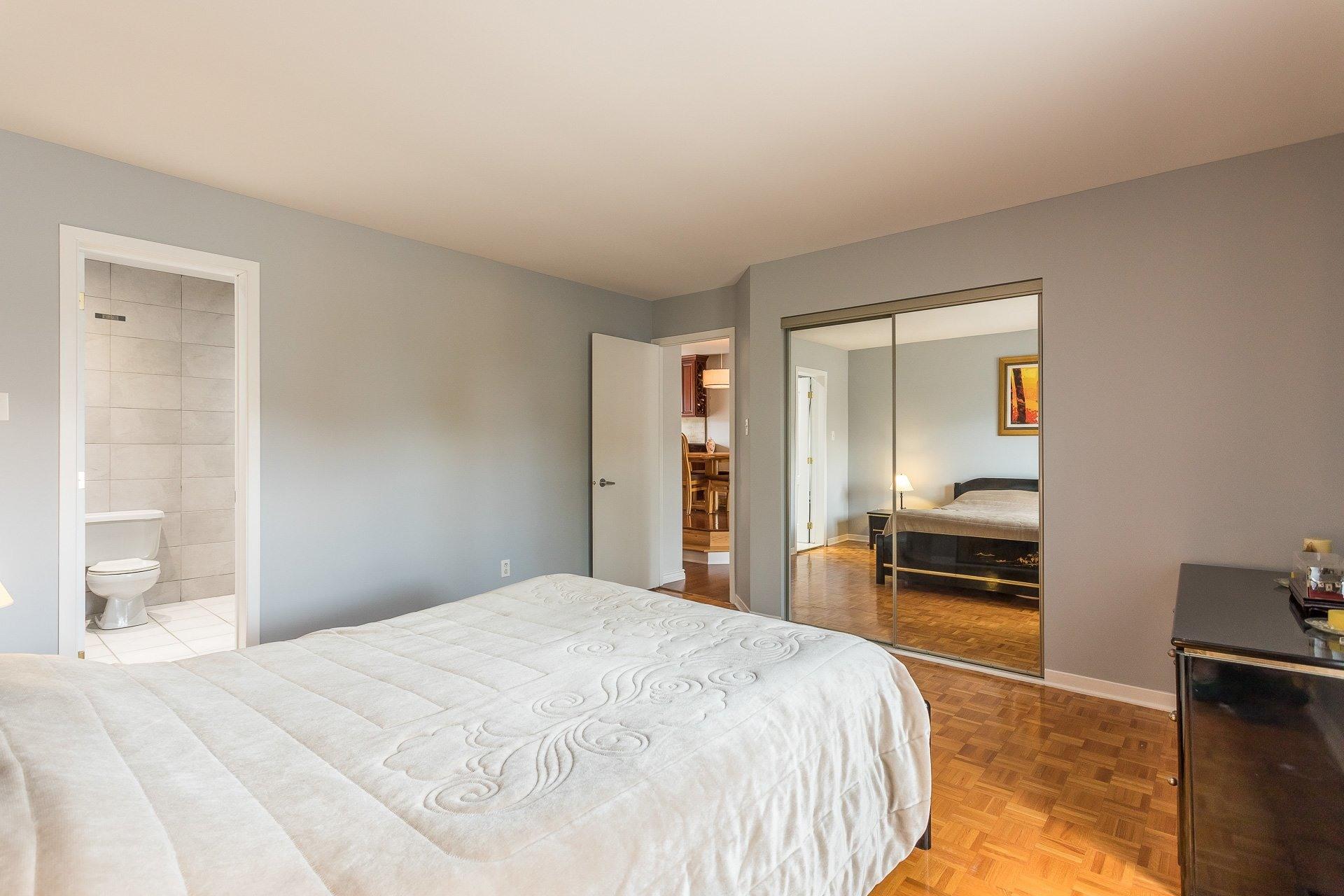 image 7 - Casa In Vendita Vimont Laval  - 9 stanze